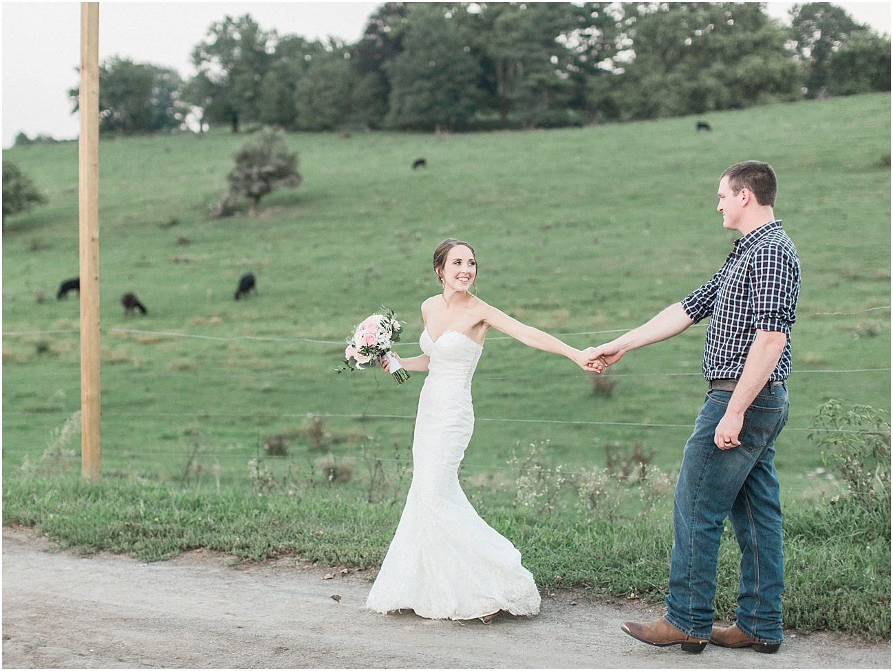 jackie_brad_barn_at_gibbett_hill_country_yellow_lab_fall_burgundy_cape_cod_boston_wedding_photographer_meredith_jane_photography_photo_1056.jpg