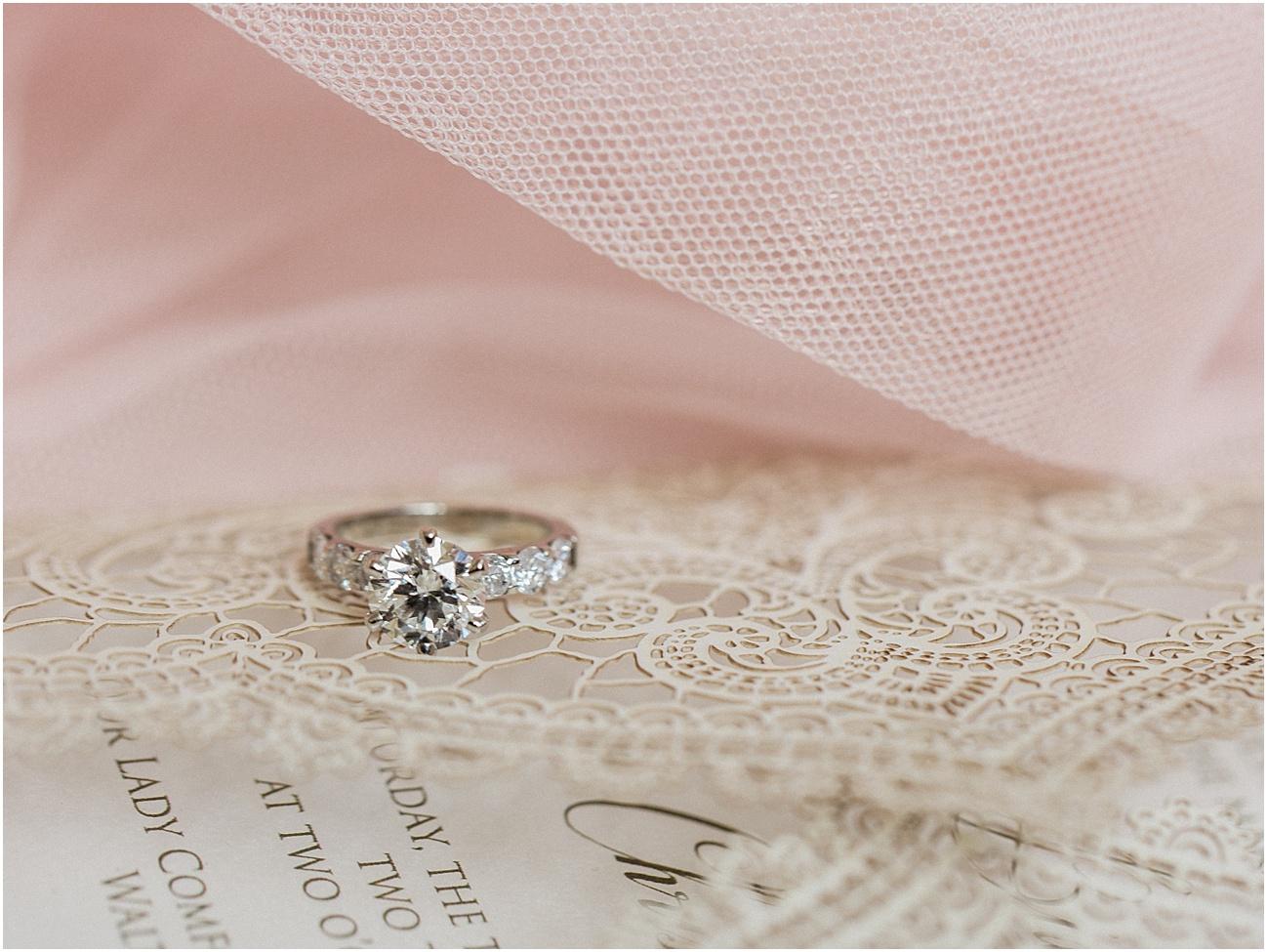 bianca_chris_danversport_italian_blush_gold_north_shore_cape_cod_boston_wedding_photographer_meredith_jane_photography_photo_1101.jpg