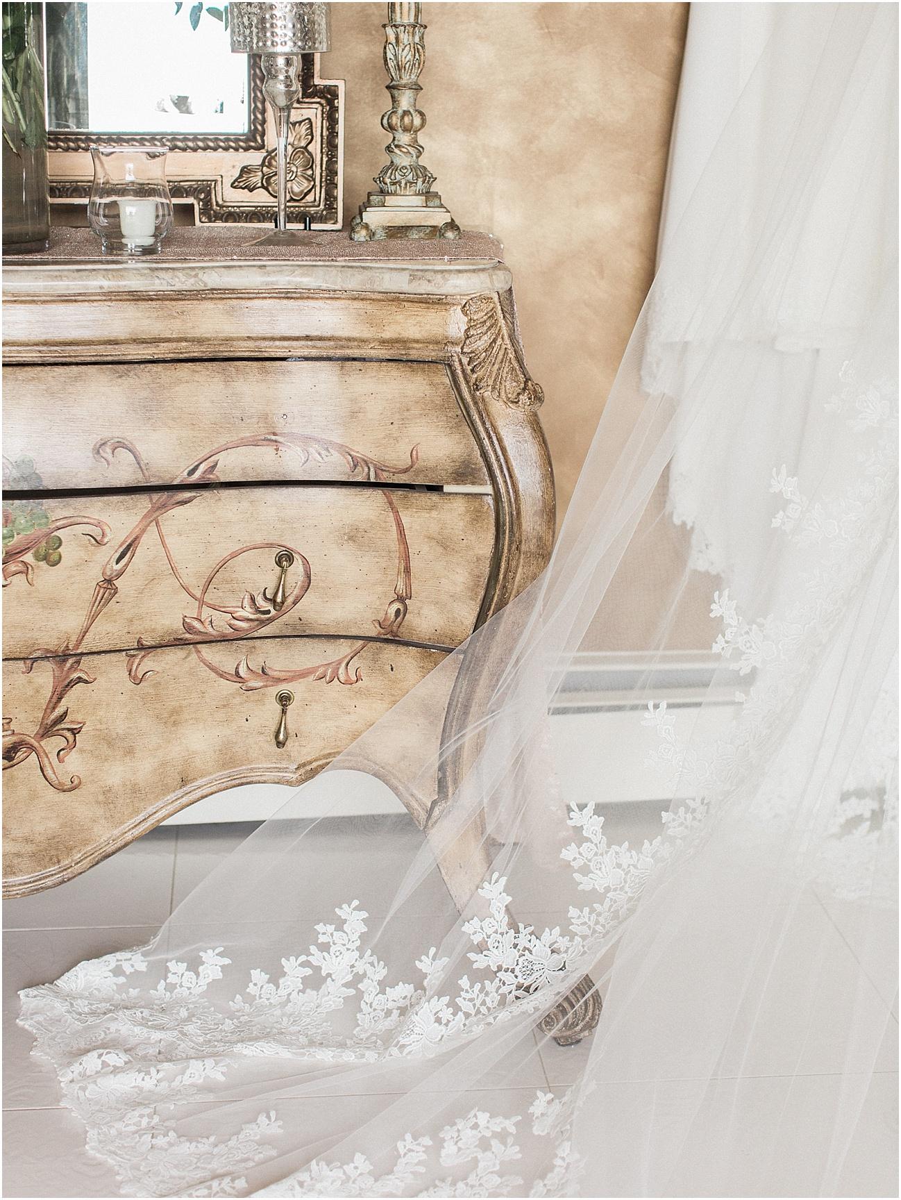 bianca_chris_danversport_italian_blush_gold_north_shore_cape_cod_boston_wedding_photographer_meredith_jane_photography_photo_1106.jpg