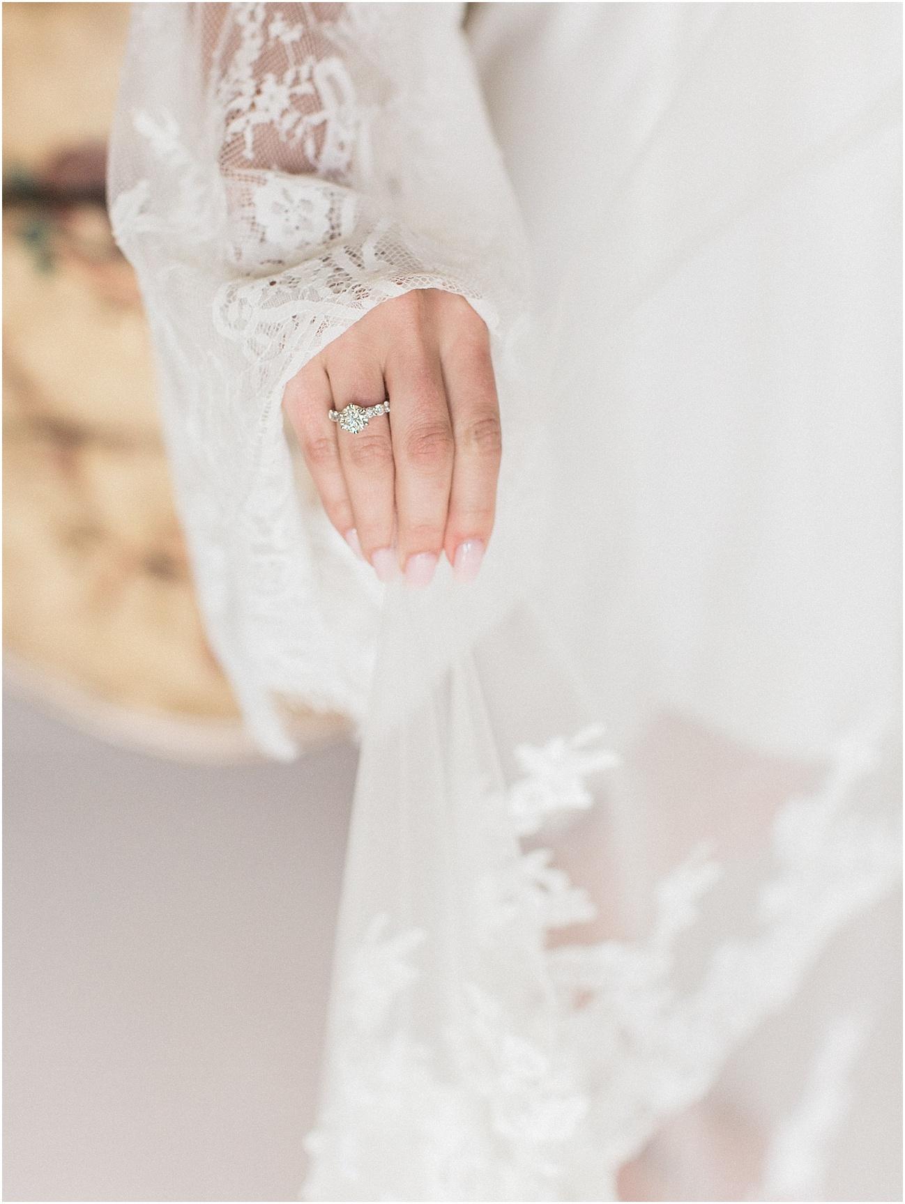 bianca_chris_danversport_italian_blush_gold_north_shore_cape_cod_boston_wedding_photographer_meredith_jane_photography_photo_1110.jpg