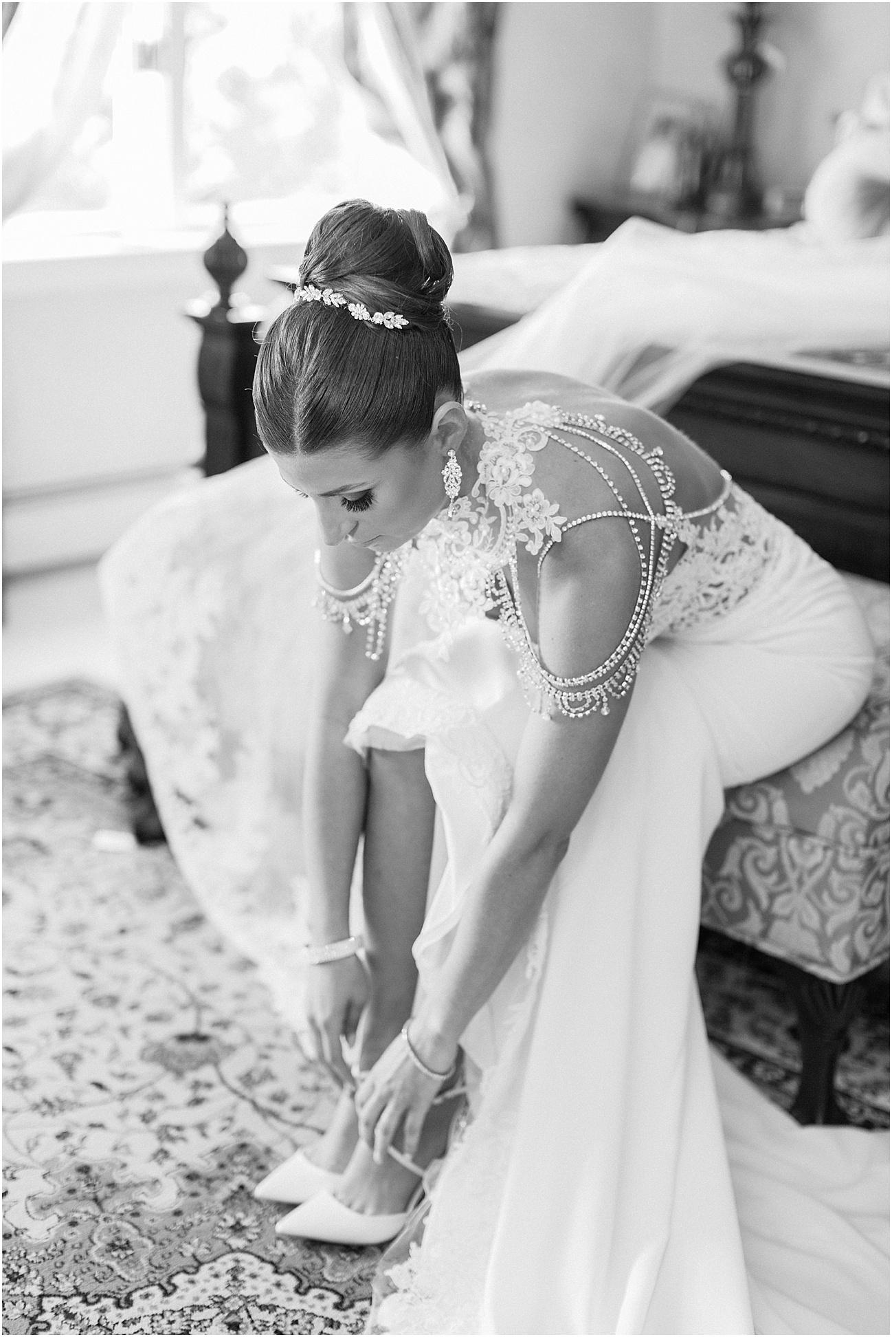 bianca_chris_danversport_italian_blush_gold_north_shore_cape_cod_boston_wedding_photographer_meredith_jane_photography_photo_1111.jpg