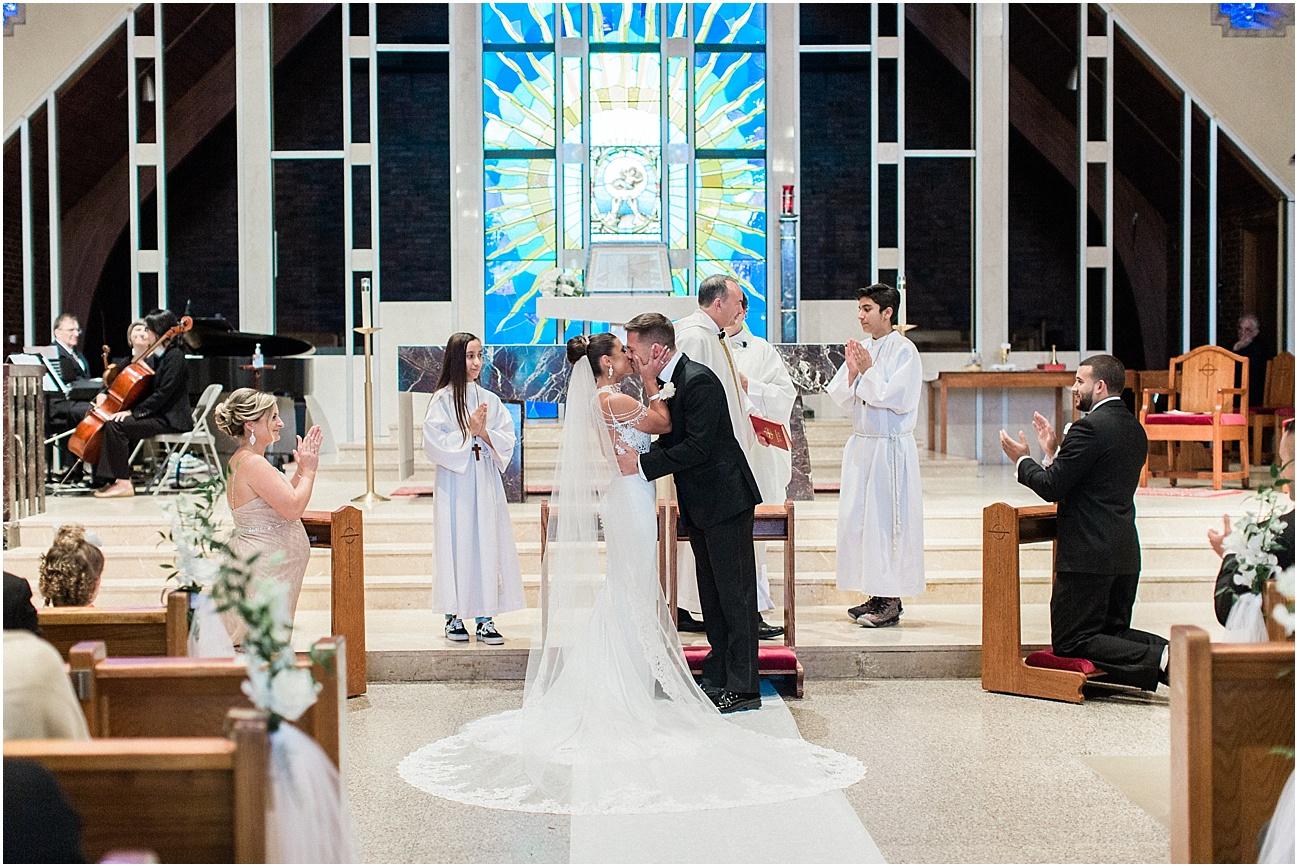 bianca_chris_danversport_italian_blush_gold_north_shore_cape_cod_boston_wedding_photographer_meredith_jane_photography_photo_1118.jpg