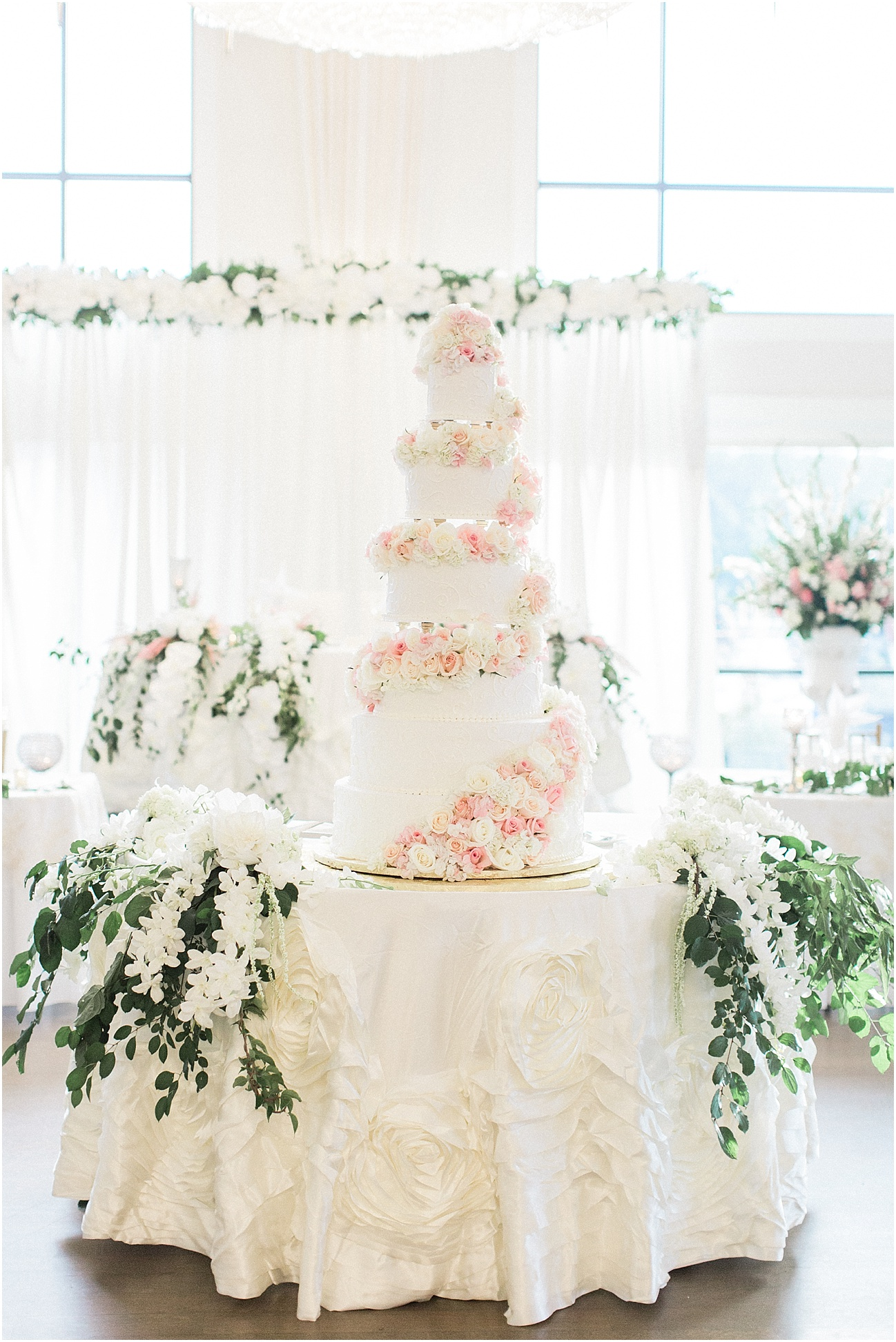 bianca_chris_danversport_italian_blush_gold_north_shore_cape_cod_boston_wedding_photographer_meredith_jane_photography_photo_1148.jpg