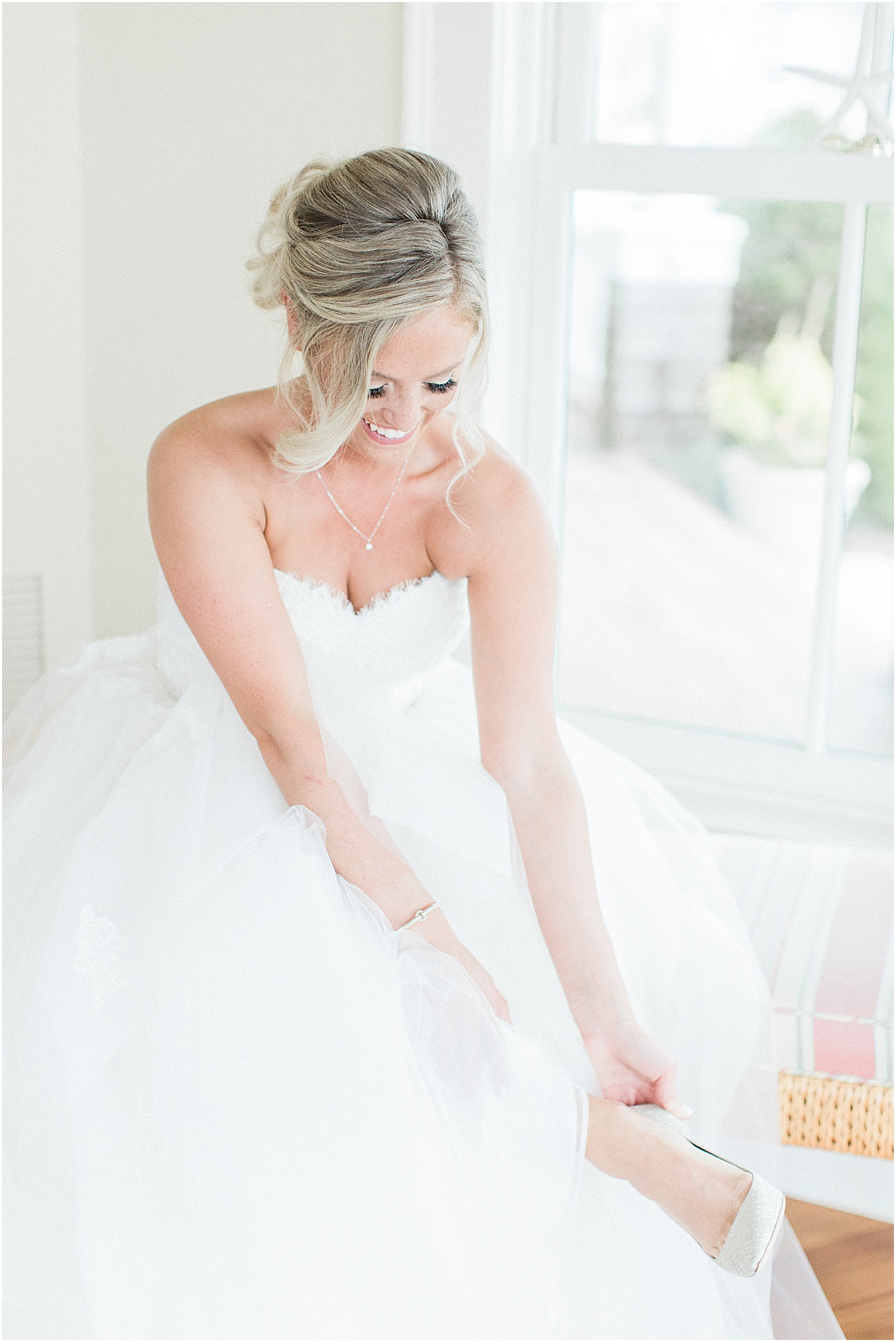 deanna_tyler_popponesset_inn_nautical_dusty_rose_pink_blue_french_fall_gray_bridesmaid_cape_cod_boston_wedding_photographer_meredith_jane_photography_photo_1342.jpg