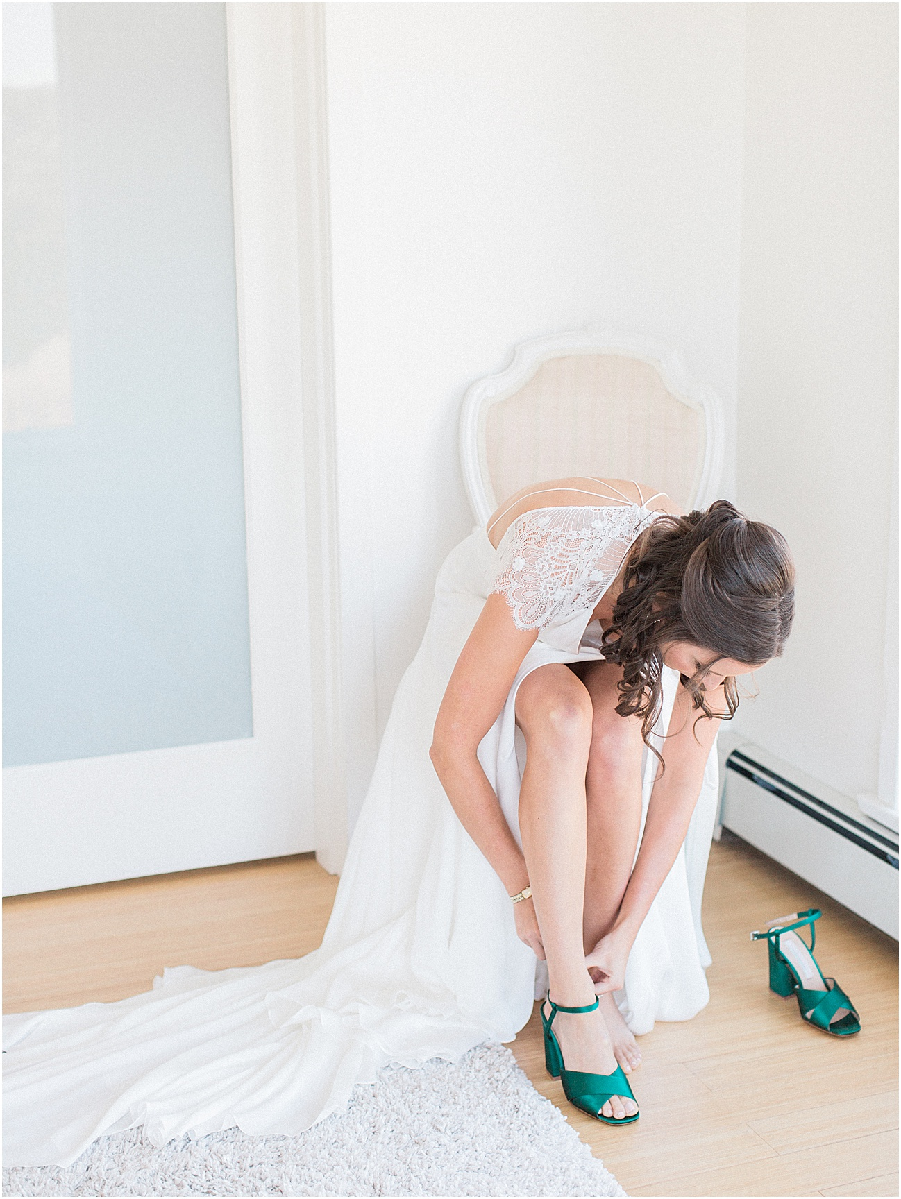 jenna_mike_willowdale_estate_topsfield_neutral_whites_greens_fall_cape_cod_boston_wedding_photographer_meredith_jane_photography_photo_1424.jpg