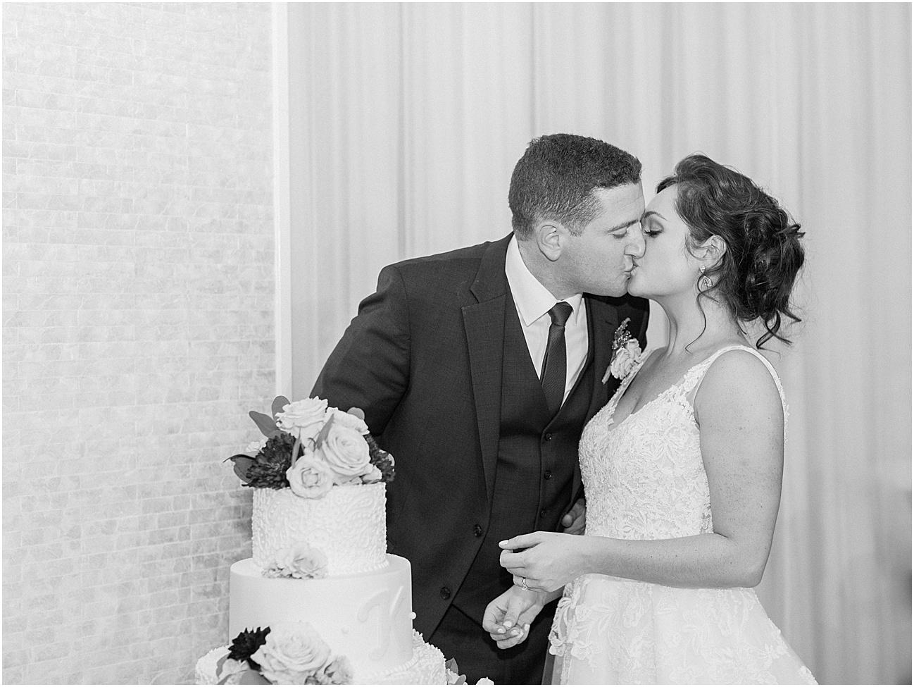 shannon_daniel_dan_atlantic_resort_saint_marys_st_mary_church_fall_newport_catholic_irish_cape_cod_boston_wedding_photographer_meredith_jane_photography_photo_1651.jpg