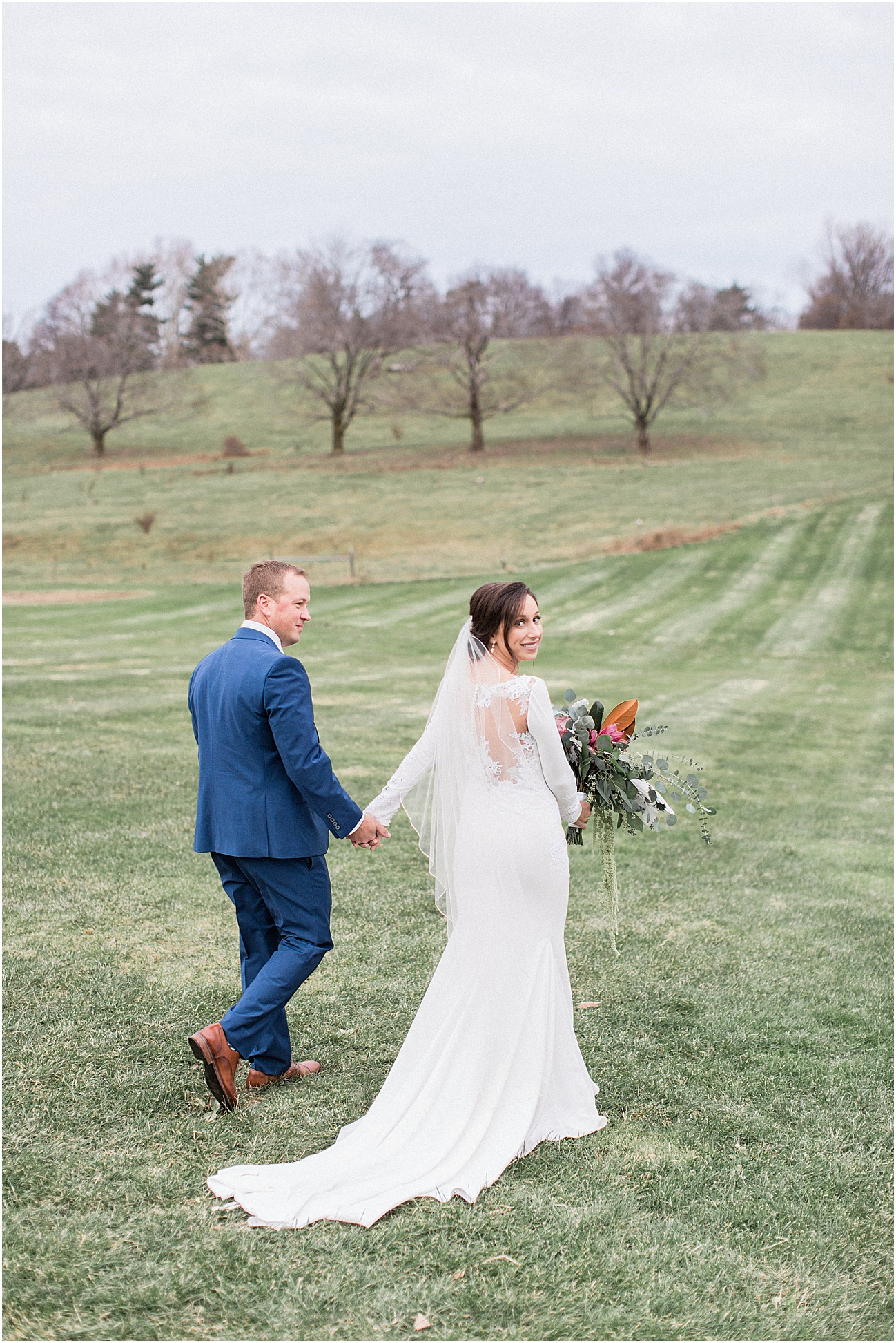 the_barn_at_gibbet_hill_late_fall_winter_long_sleeve_gown_cape_cod_boston_wedding_photographer_meredith_jane_photography_photo_1799.jpg