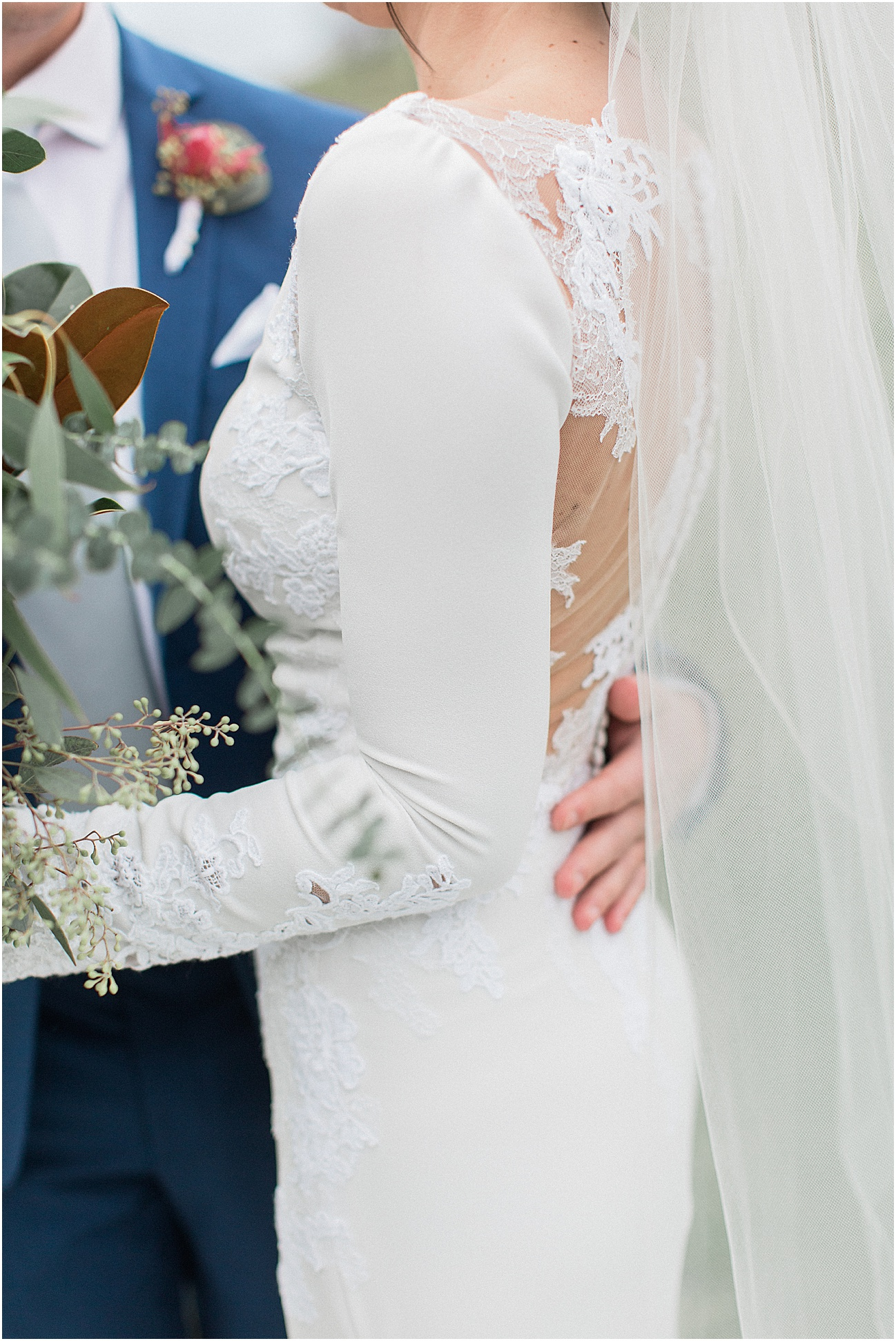 the_barn_at_gibbet_hill_late_fall_winter_long_sleeve_gown_cape_cod_boston_wedding_photographer_meredith_jane_photography_photo_1807.jpg