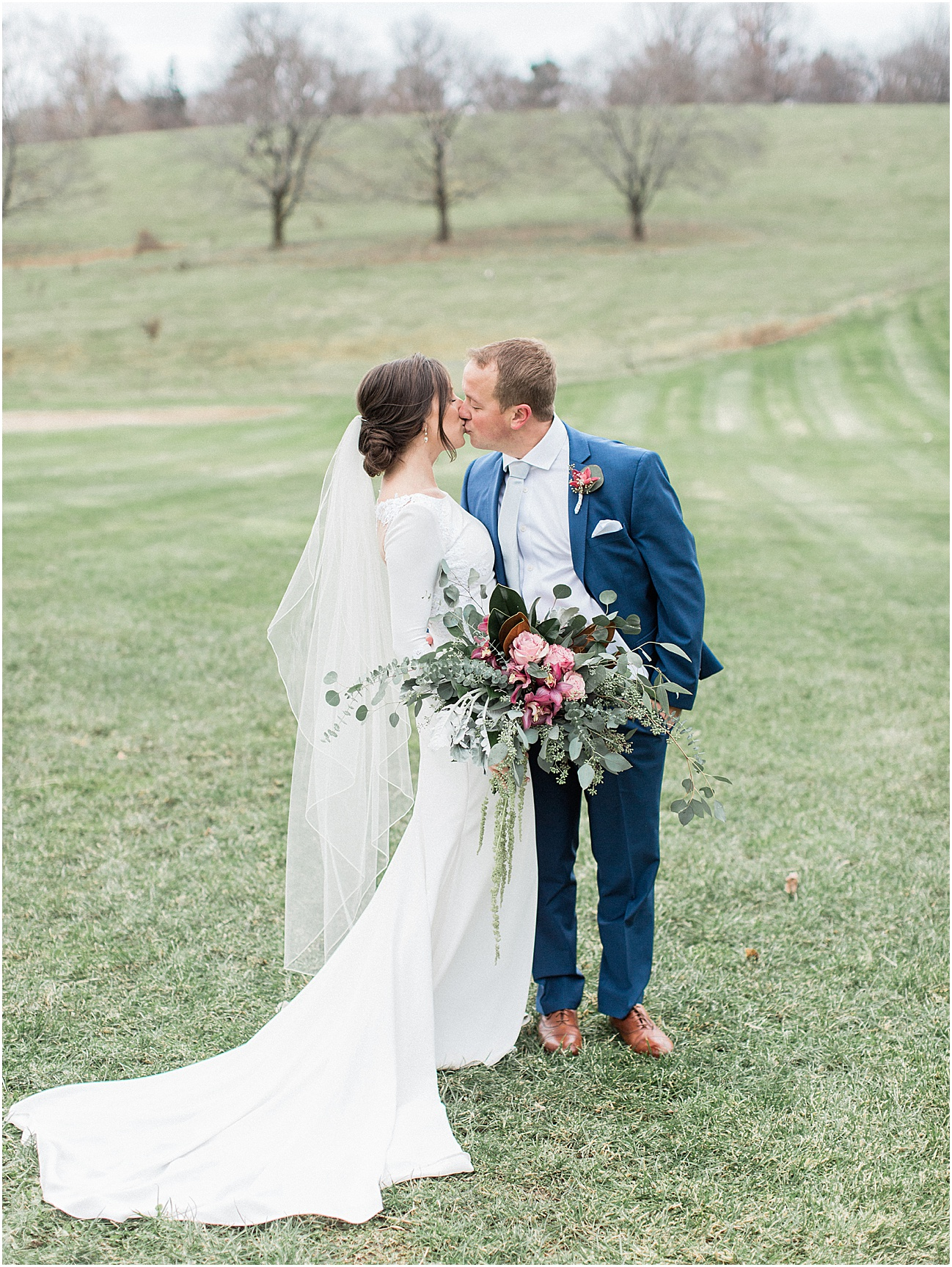 the_barn_at_gibbet_hill_late_fall_winter_long_sleeve_gown_cape_cod_boston_wedding_photographer_meredith_jane_photography_photo_1812.jpg
