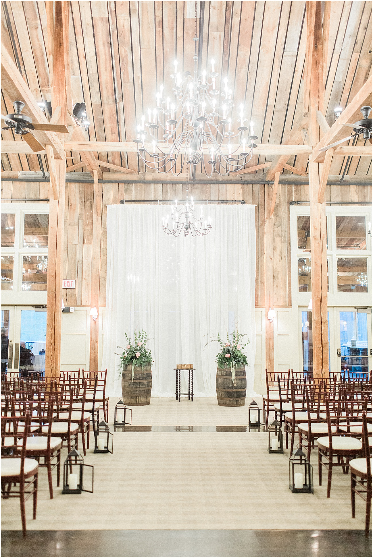 the_barn_at_gibbet_hill_late_fall_winter_long_sleeve_gown_cape_cod_boston_wedding_photographer_meredith_jane_photography_photo_1829.jpg