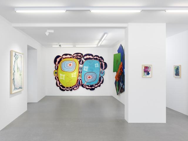 Installation view: Elizabeth Murray at Galerie Maria Bernheim