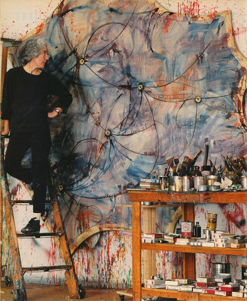 Elizabeth Murray in her studio, Spring 1991. Photo Brigitte Lacombe © The Murray-Holman Family Trust