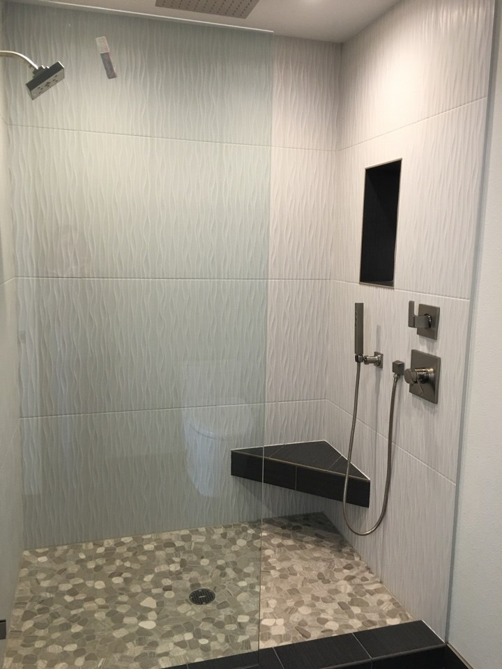 Stands Master Shower.jpg
