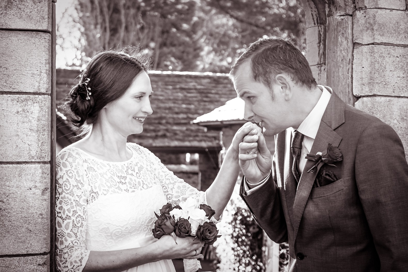 Mr&Mrs, just married, newlyweds, bride and groom, kettering, fotovida wedding photography