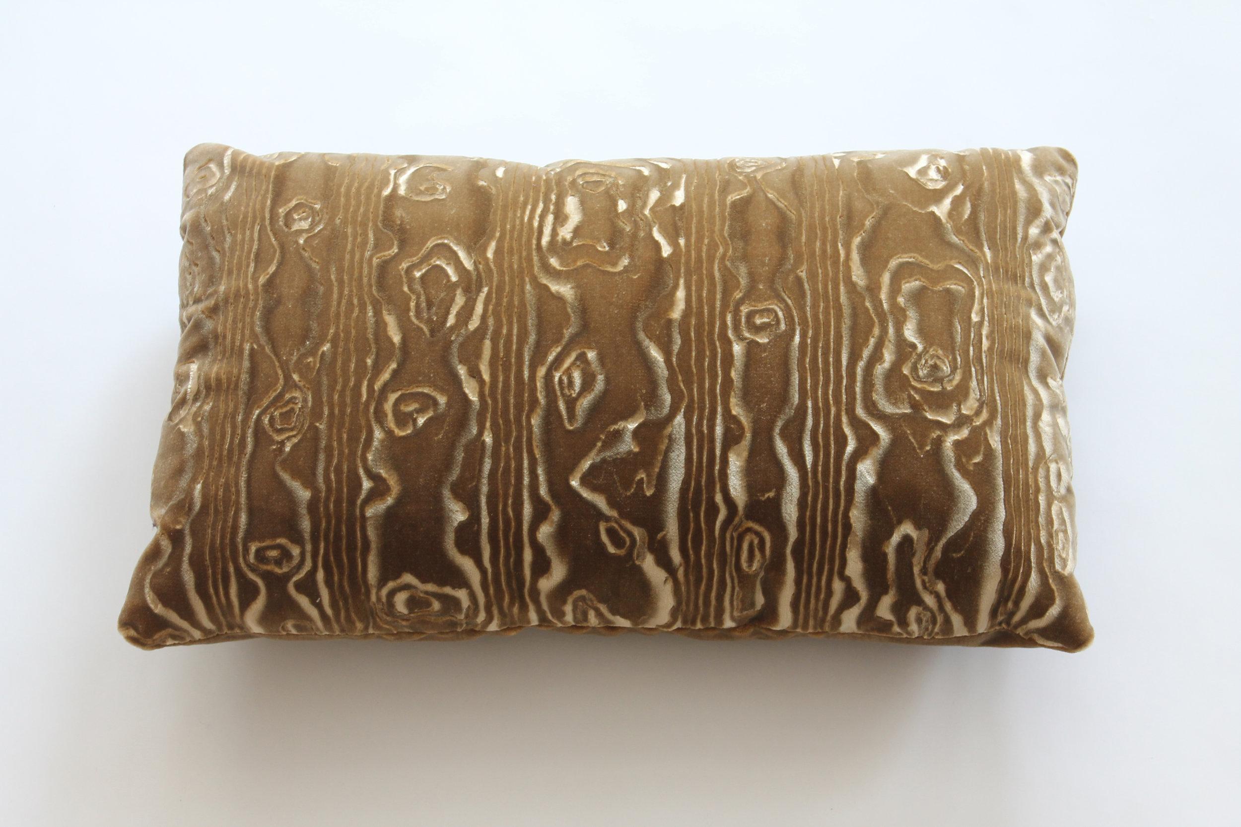 """""""Faux Bois"""" gauffrage on silk velvet  (on hold)"""