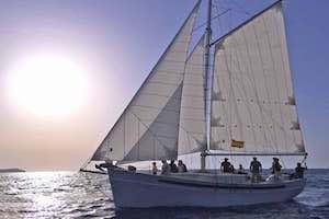 Classic sail boat 12 pax_1.jpeg