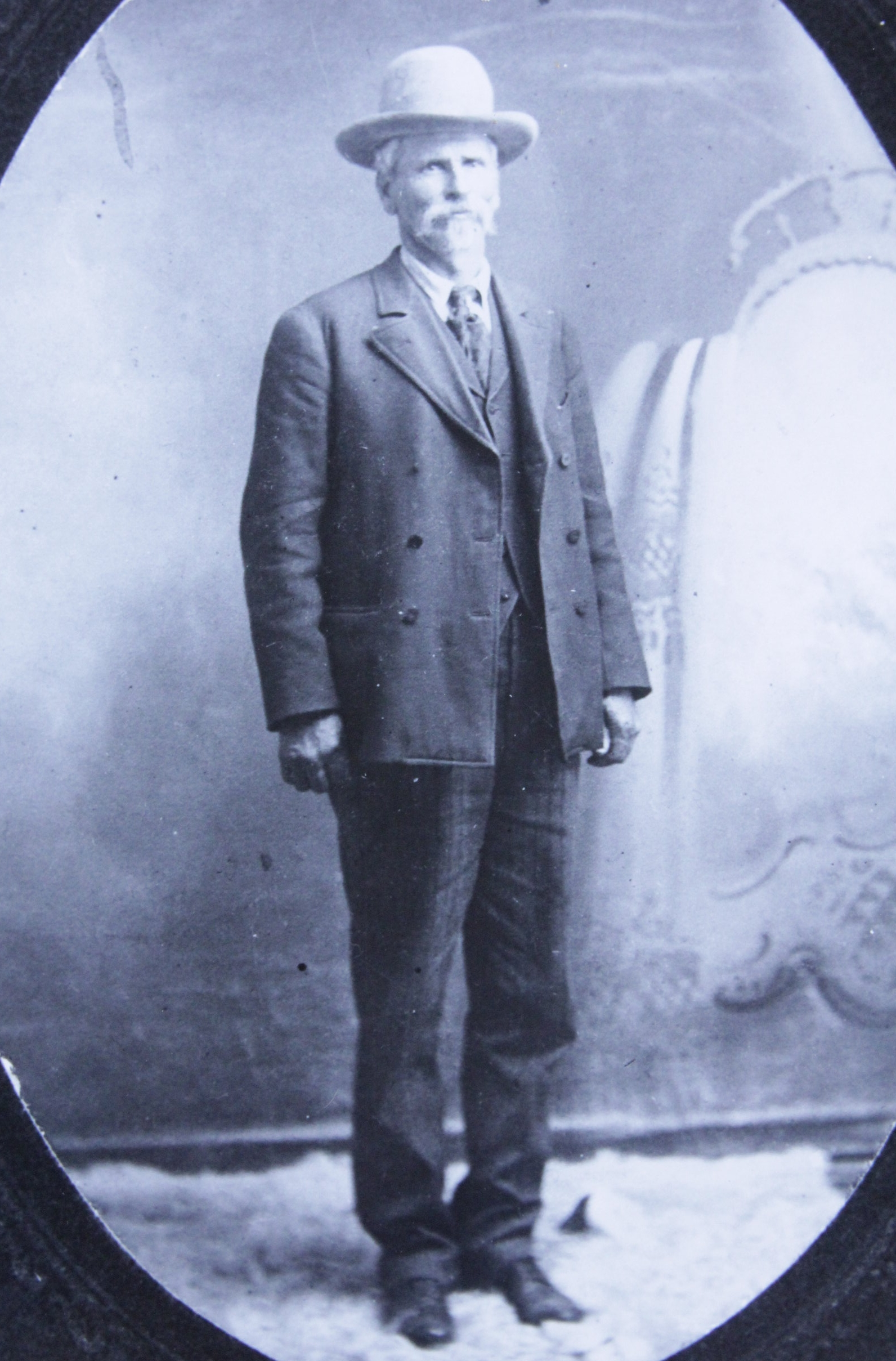 Doc Middleton, 1909 in Crawford, NE