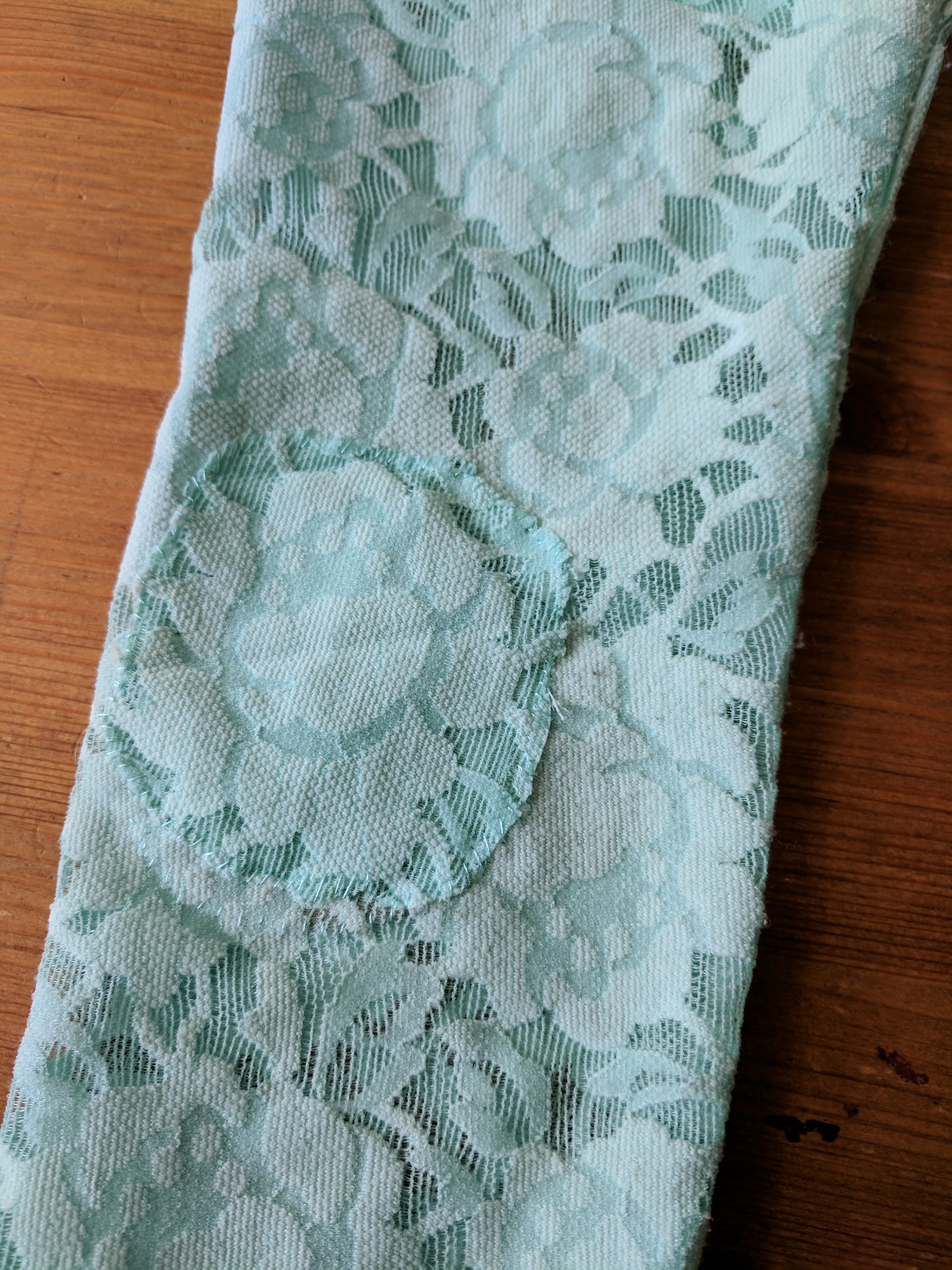 knee patch lace
