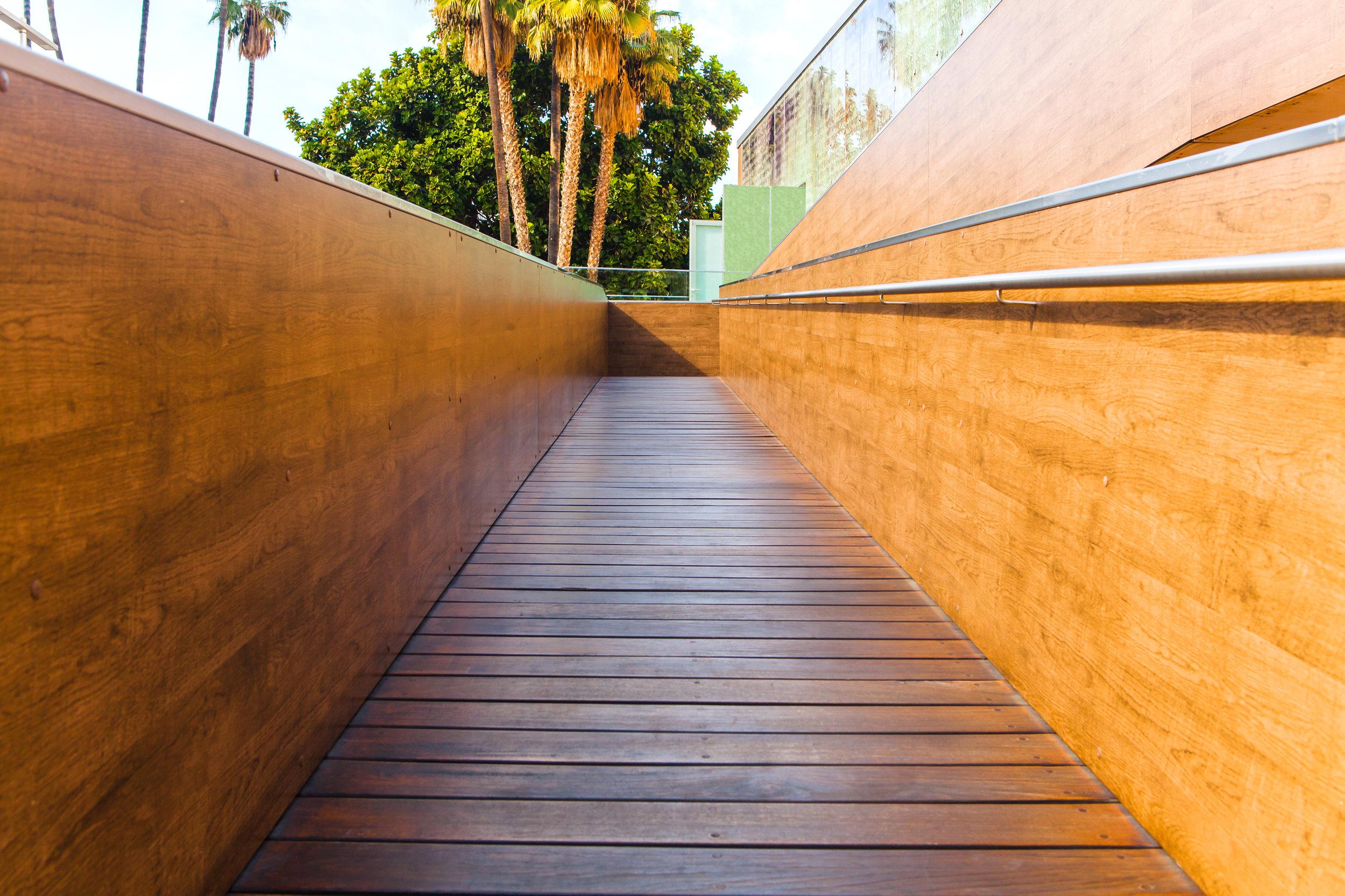 ramp-accessibility-hotel-design-interior-design-hadar-interiors-disability