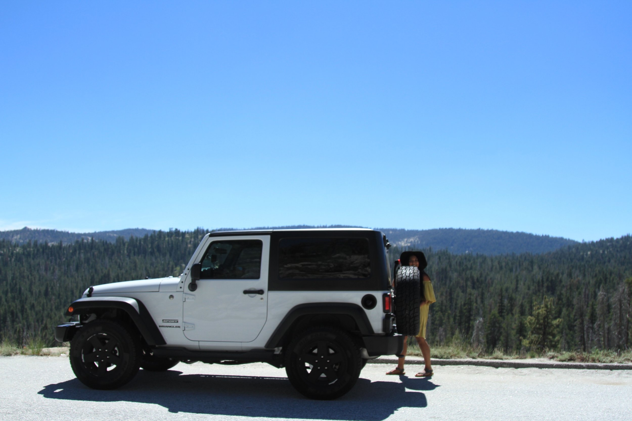 Pit stop to admire the view of Yosemite.