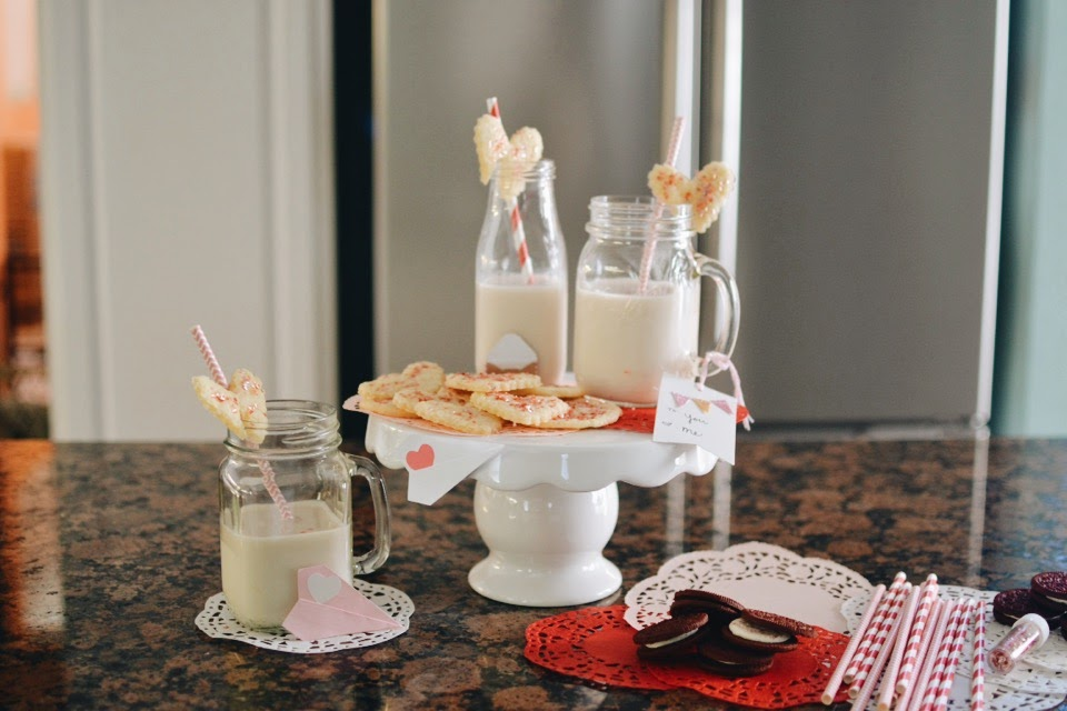 Valentine's Day cookie drink toppers!