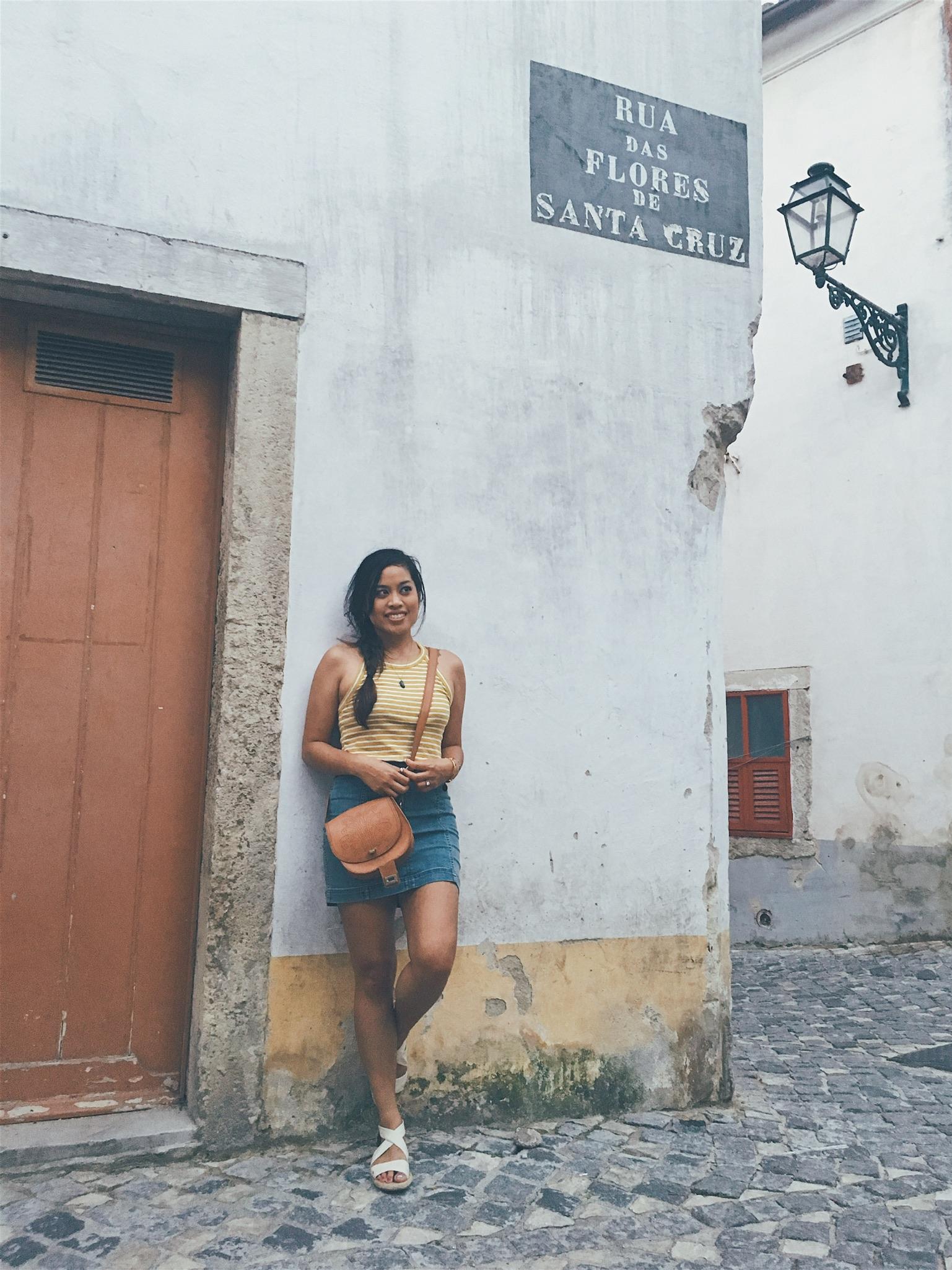 The quaint neighborhood surrounding Castelo de São Jorge