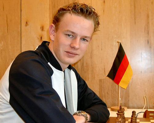 Photo courtesy of  chess.db.com