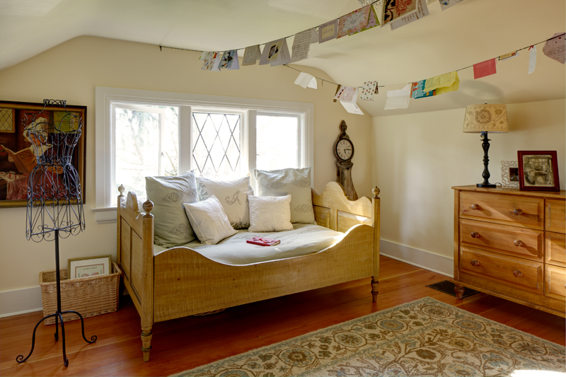seattle-remodel-queen-anne-teen-room-LR.jpg