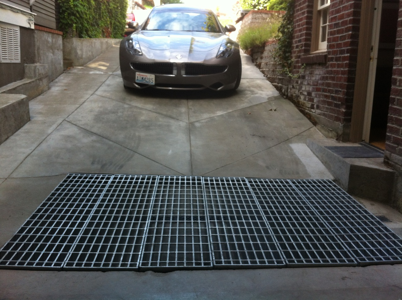seattle-laurelhurst-electric-car-grate.jpg