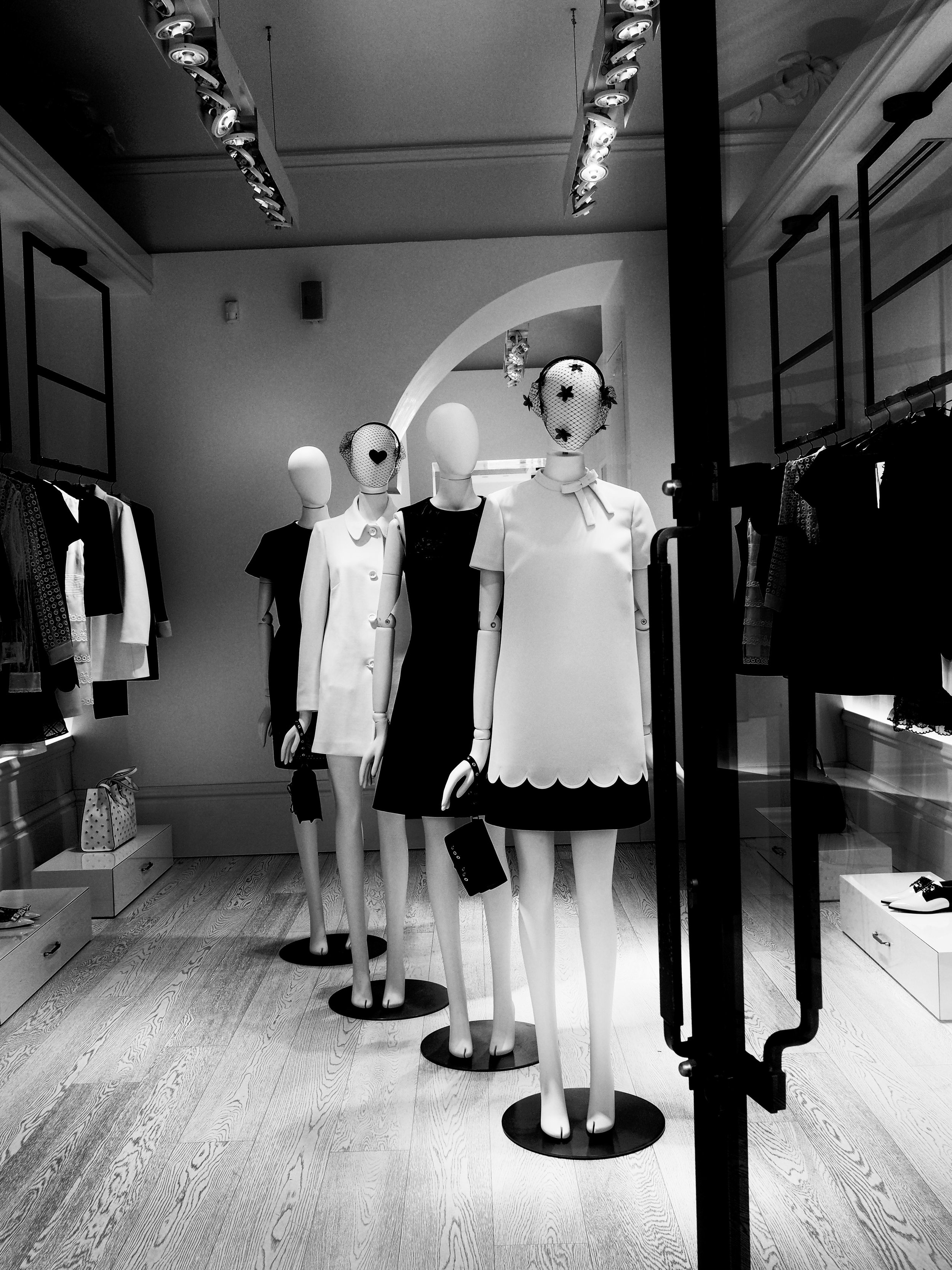 Elegant Dress Shop