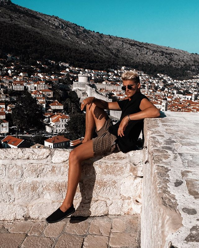 Walking on the wall in Dubrovnik led to many spots with amazing views 👌🏼 #croatia