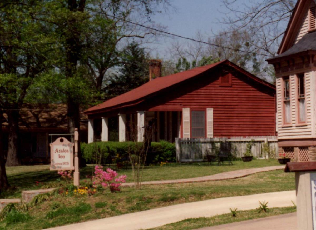 Historic Sagamore Cottage before restoration.