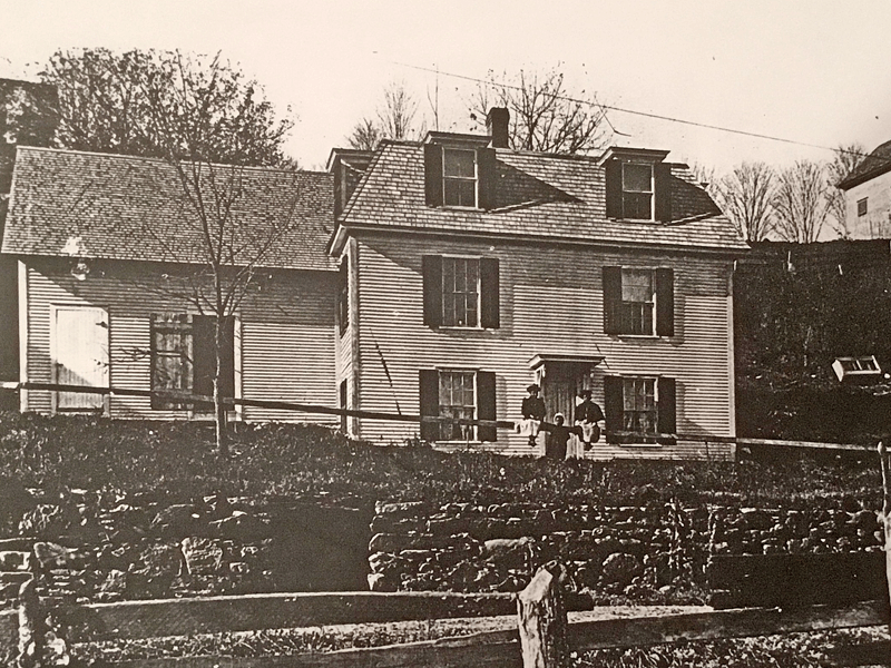 Photo of the Mero-Hazard House at 43 South Street. Circa early 1900s.