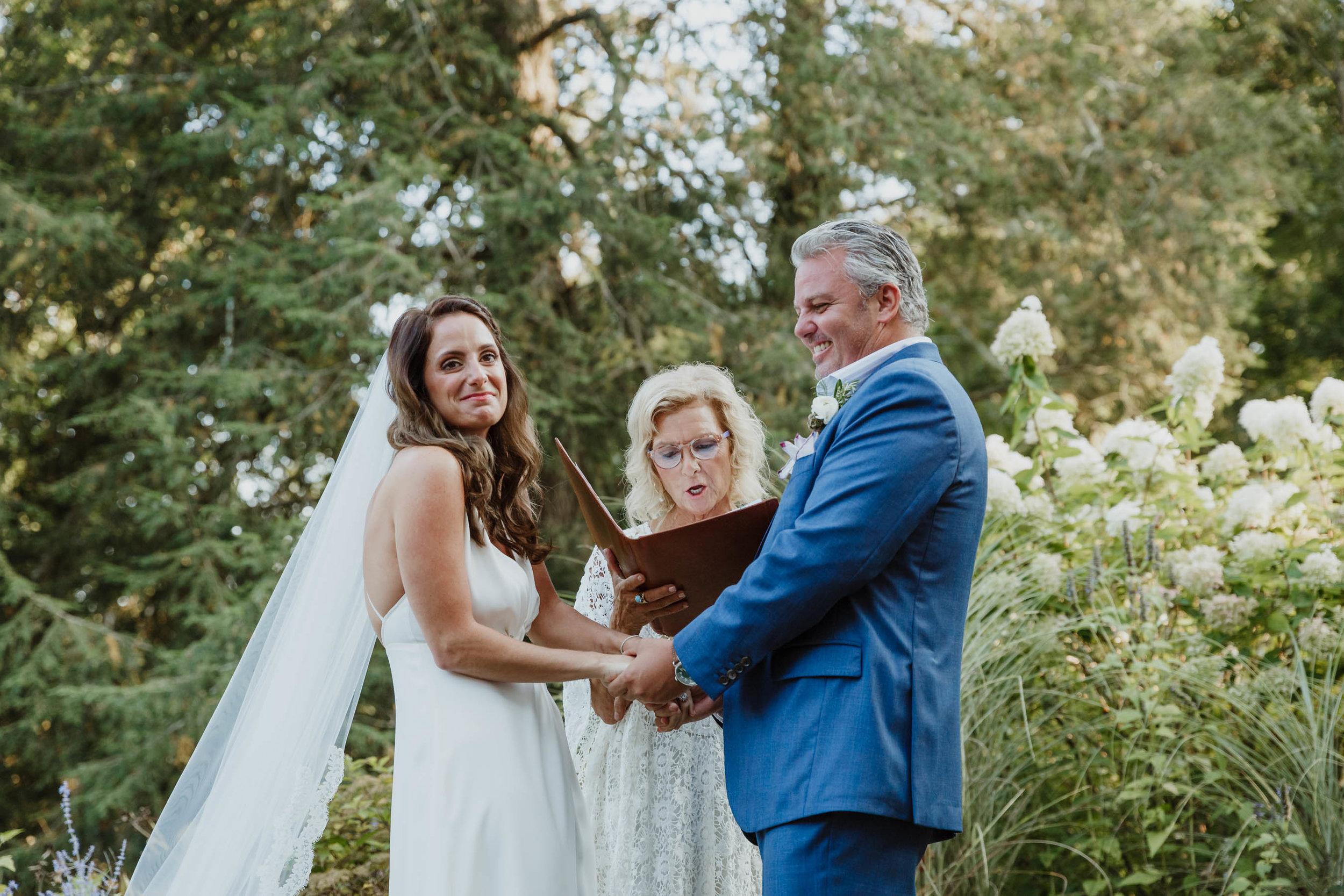 fairfield-county-connecticut-backyard-wedding-photographer--54.jpg
