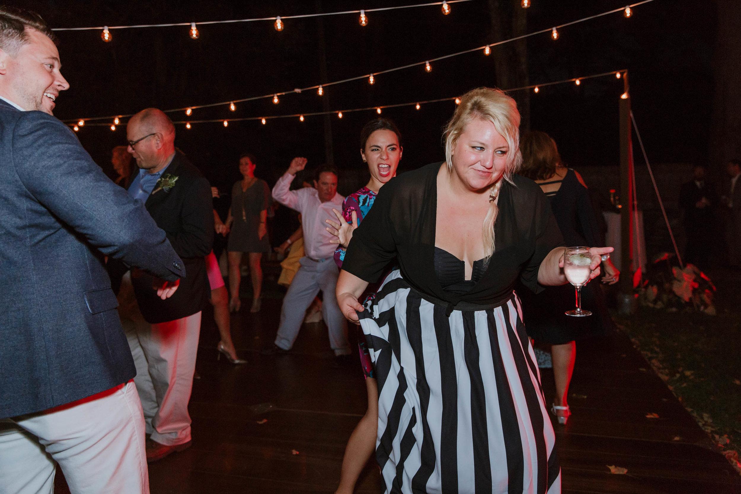fairfield-county-connecticut-backyard-wedding-photographer--85.jpg