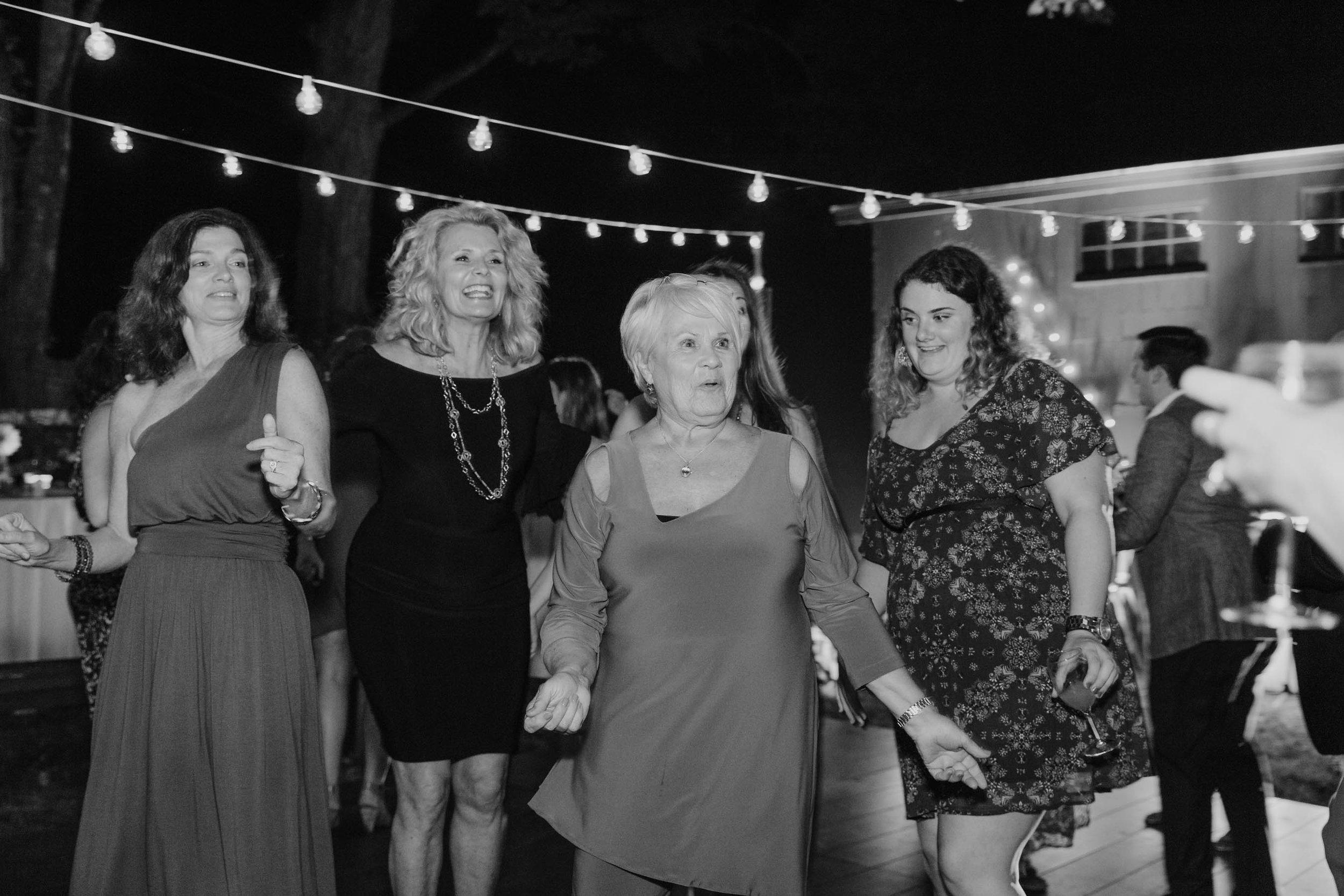 fairfield-county-connecticut-backyard-wedding-photographer--89.jpg