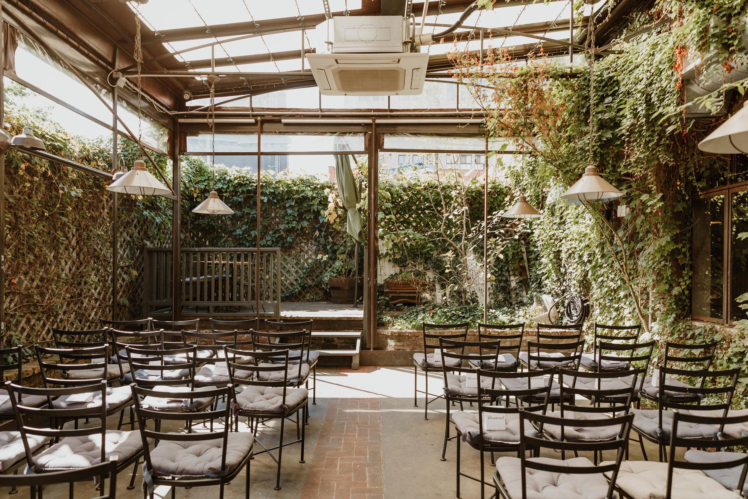 aurora-restaurant-wedding-photographer-elizabeth-tsung-photo-38.jpg
