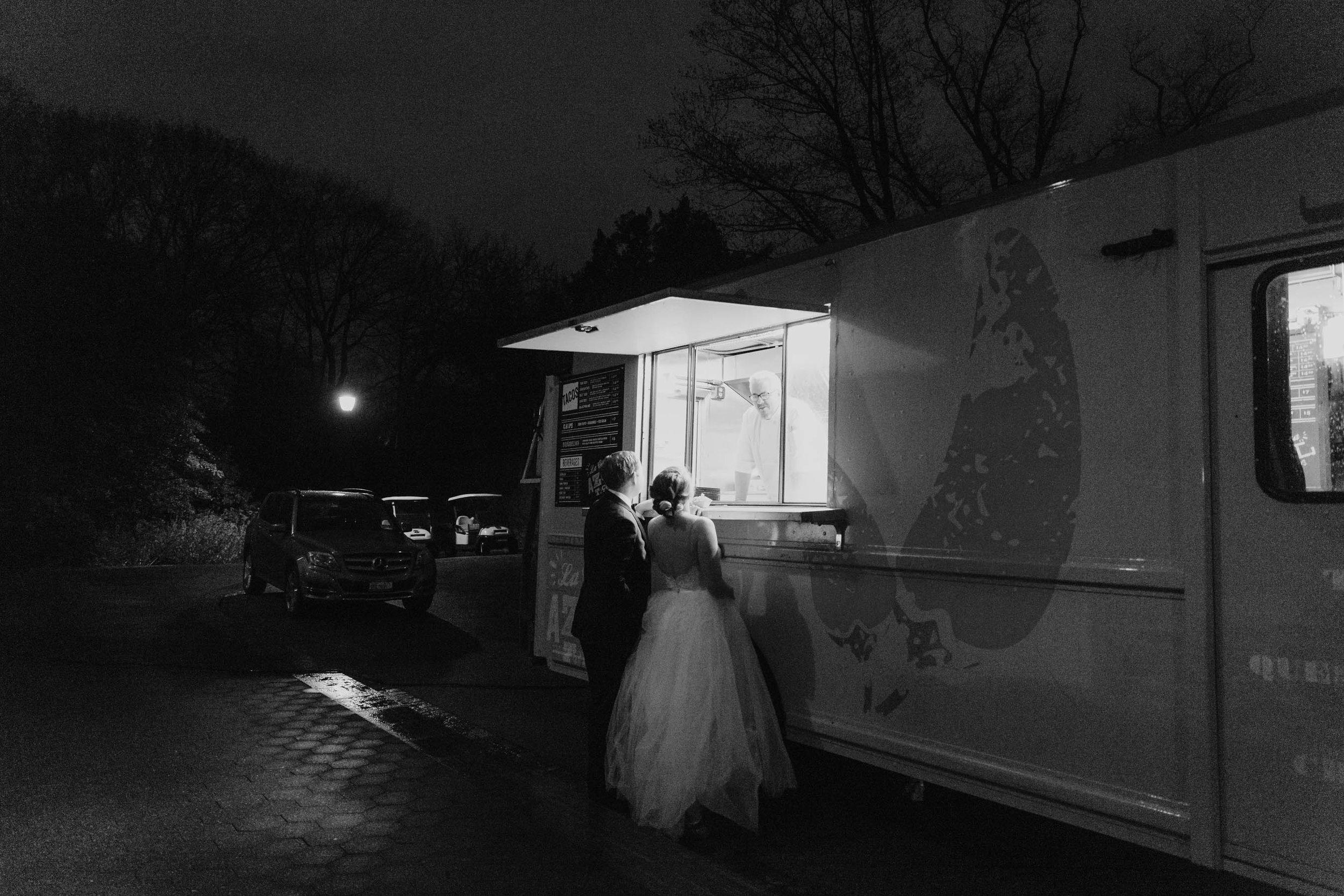 New York Botanical Garden Wedding Photographer - elizabeth tsung photo