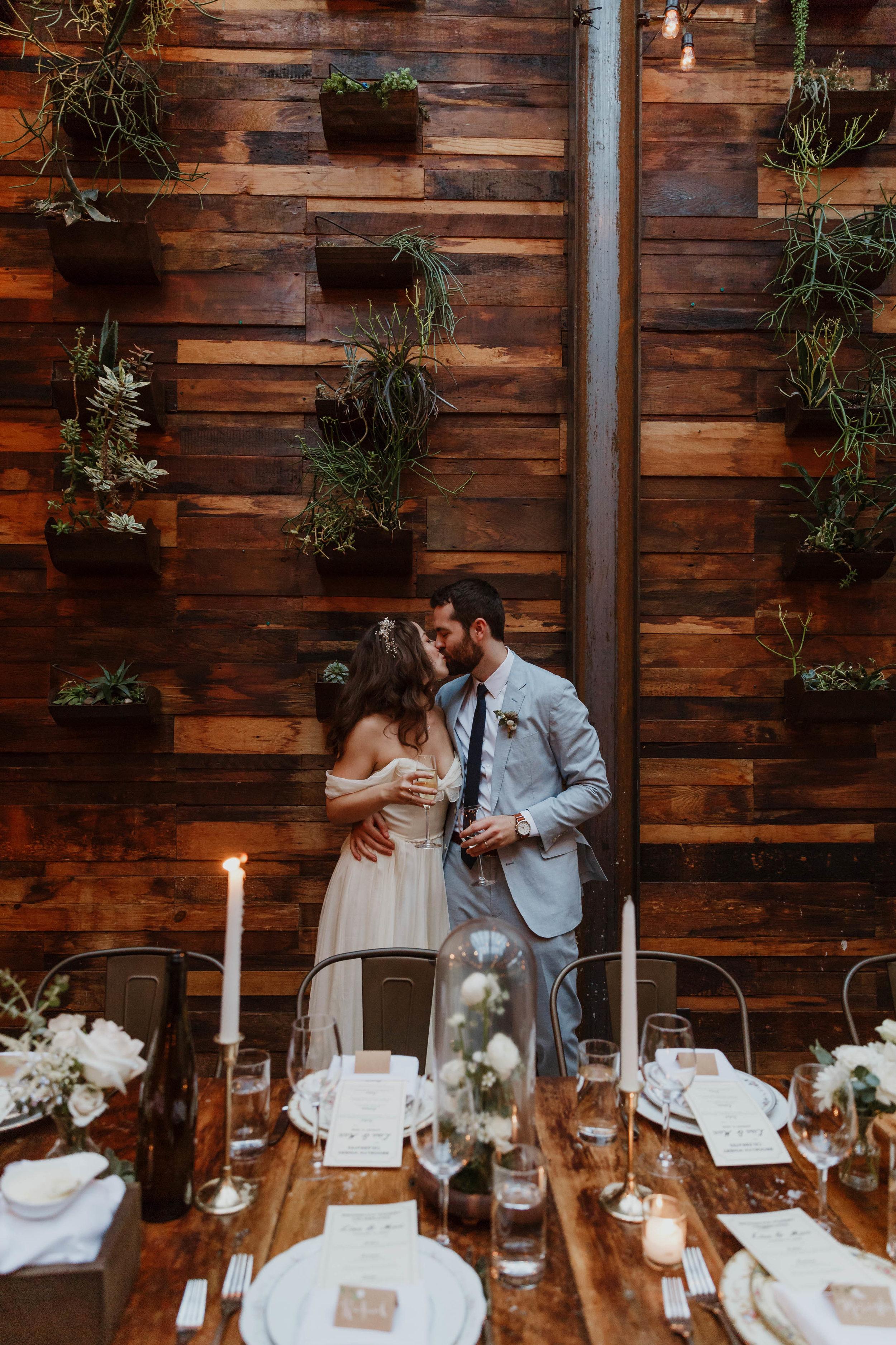 brooklyn-winery-modern-wedding-photographer-75.jpg