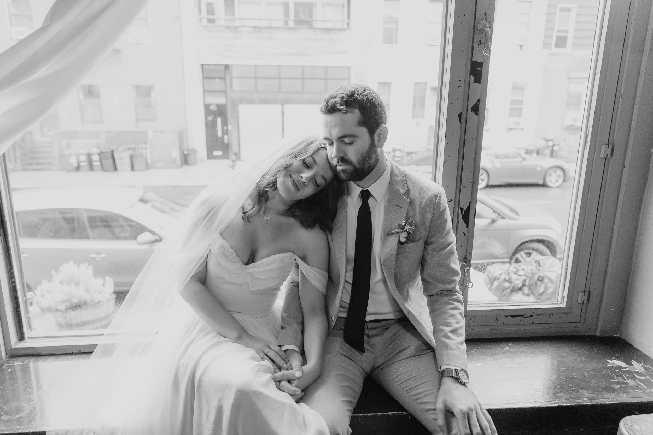 brooklyn-winery-modern-wedding-photographer-24.jpg