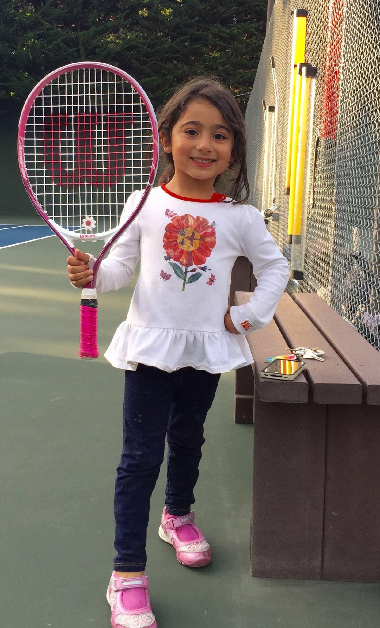 cute.young.girl.tennis.jpg