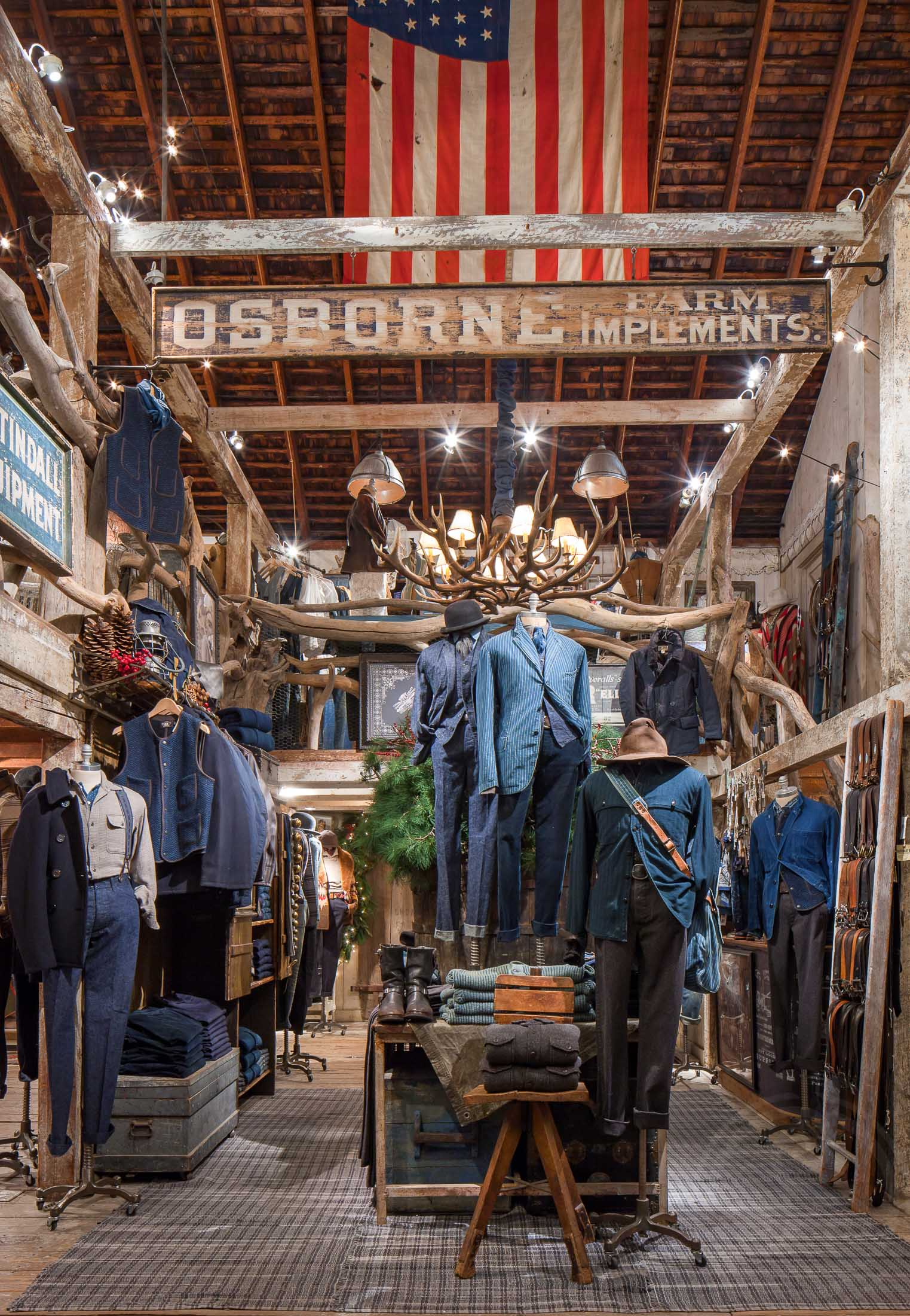 MarcinMuchalski_RetailStores_0063.JPG