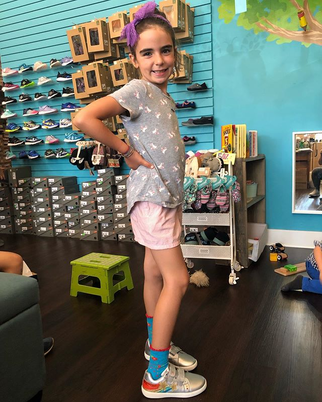 Love the big smiles and the rainbow sparkle shoes!! . . . . #goldenbugshoes #newshoes #schoolshoes #backtoschool #rainbowshoes #sparklyshoes #oakland #berkeley #sfkids #sfbay #bayareakids
