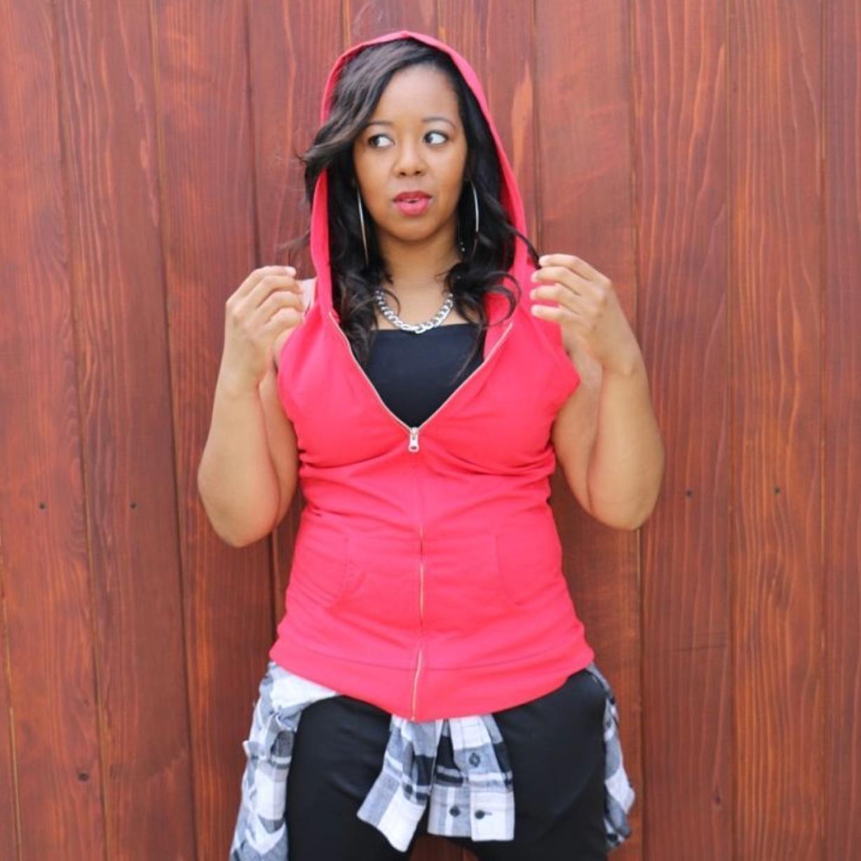 "BRANDI TAYLOR   STYLE: Beginning Hip Hop Intermediate Hip Hop  CREDITS: GROOV3  2wisted Elegance L.A. ""Bring It""- Lifetime  FOLLOW: Instagram:  @bmuffin02"