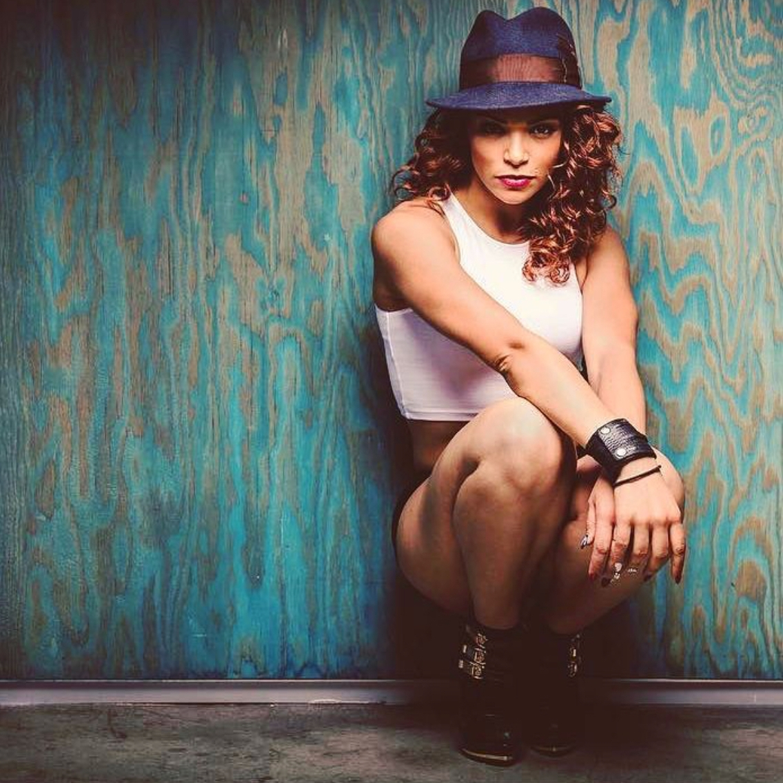 KNICOLE HAGGINS   STYLES: Hip Hop Fusion Move and Groove  CREDITS:  Bloc Talent Usher Lady Gaga Prince Chris Brown Director - Developing Next Artist Alice King  FOLLOW: Instagram:  @flavorfulsoul