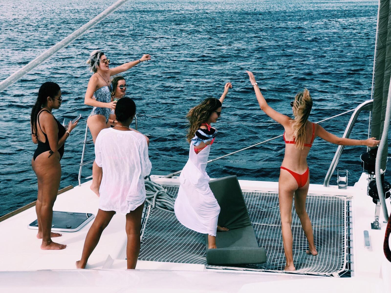 friends.birthday.boat.coolrunnings.catamaran.barbados.blog.blogpost.dancing.caribbean.