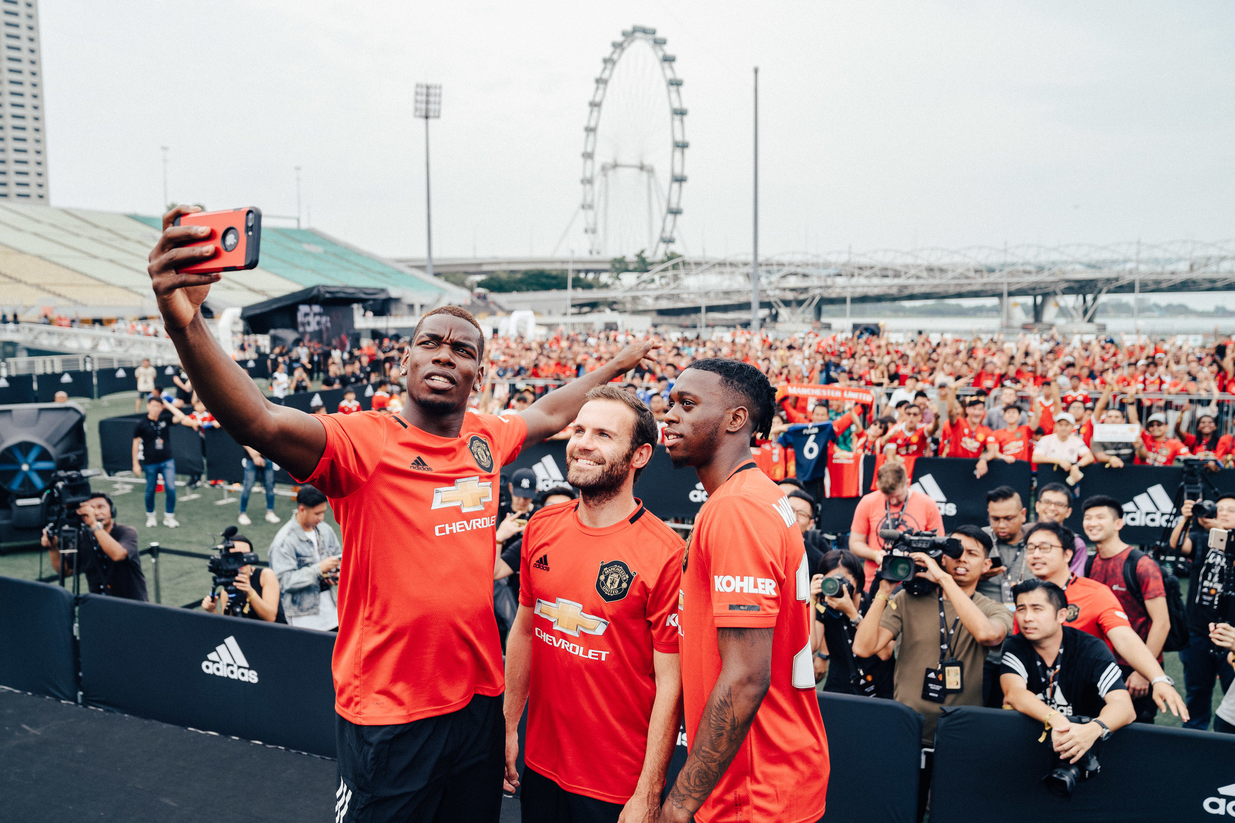 ADIDAS X MANCHESTER UNITED