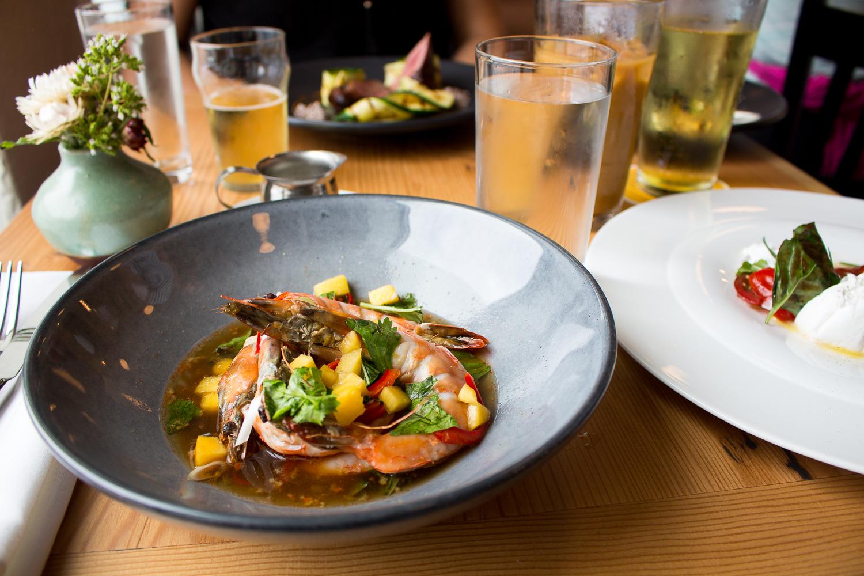 restaurants and paleo diet