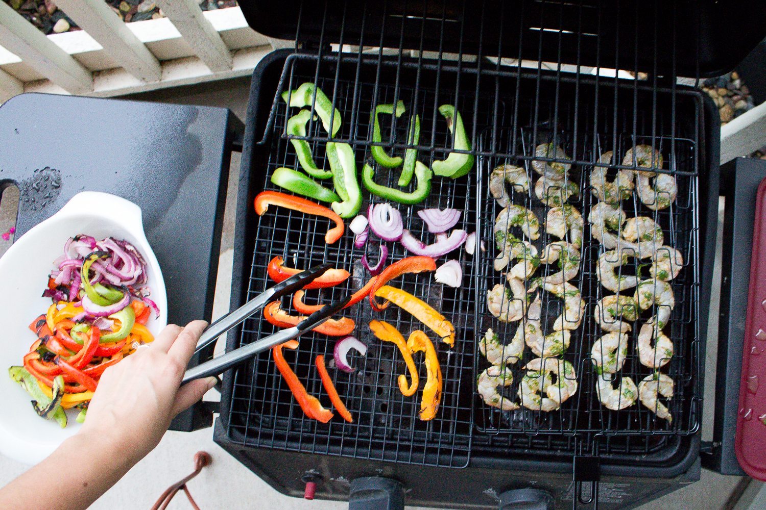 Grilled Mexican Shrimp & Peppers via Worthy Pause