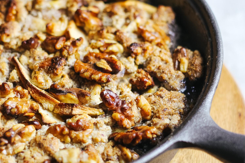 Paleo Garam Masala Walnut Apple Crisp Recipe via Worthy Pause